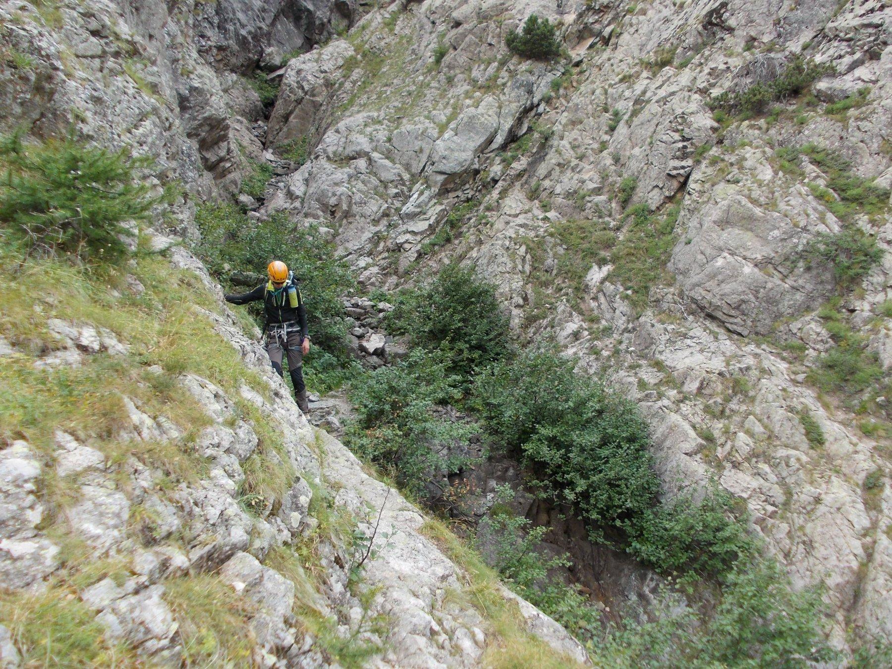Le Vire d' Ailefroide dopo il canalone boscoso. Il tratto iper esposto è a pochi metri!!