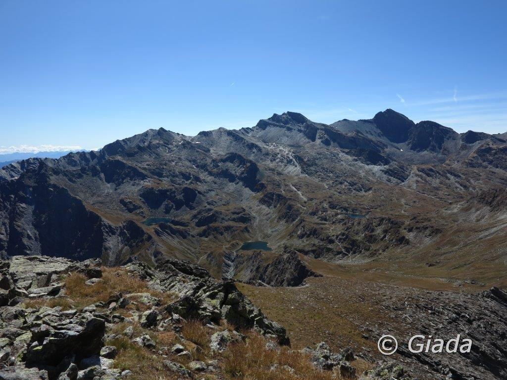 Panorama verso i laghi Bleu e Bes il Col Longet