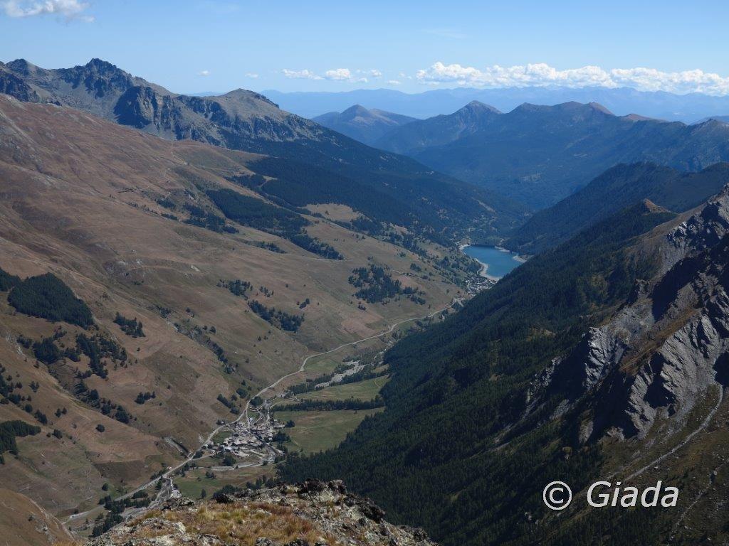 Vista su Chianale e il Lago di Pontechianale