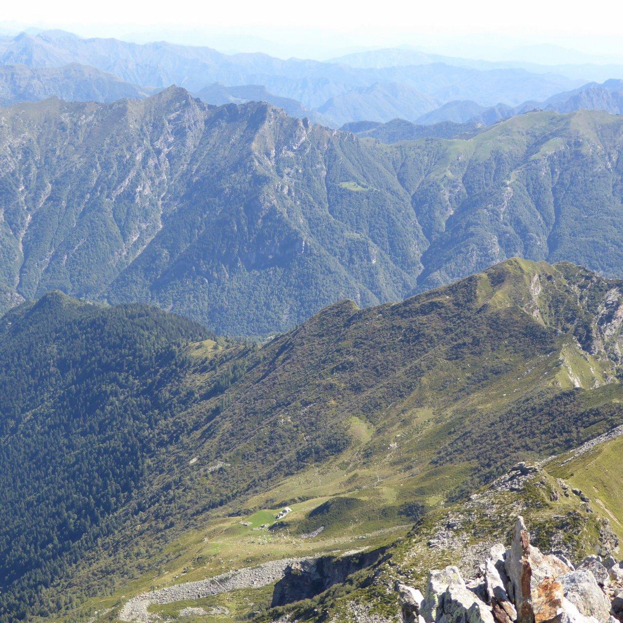 alpe Vasnera fotografato dalla cima