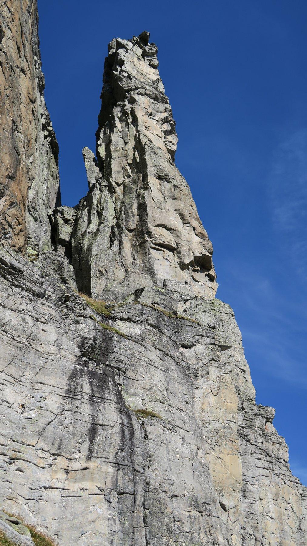 sulla Torre: a Sx Via Vitali a Dx Via Dell'Ava Biselli