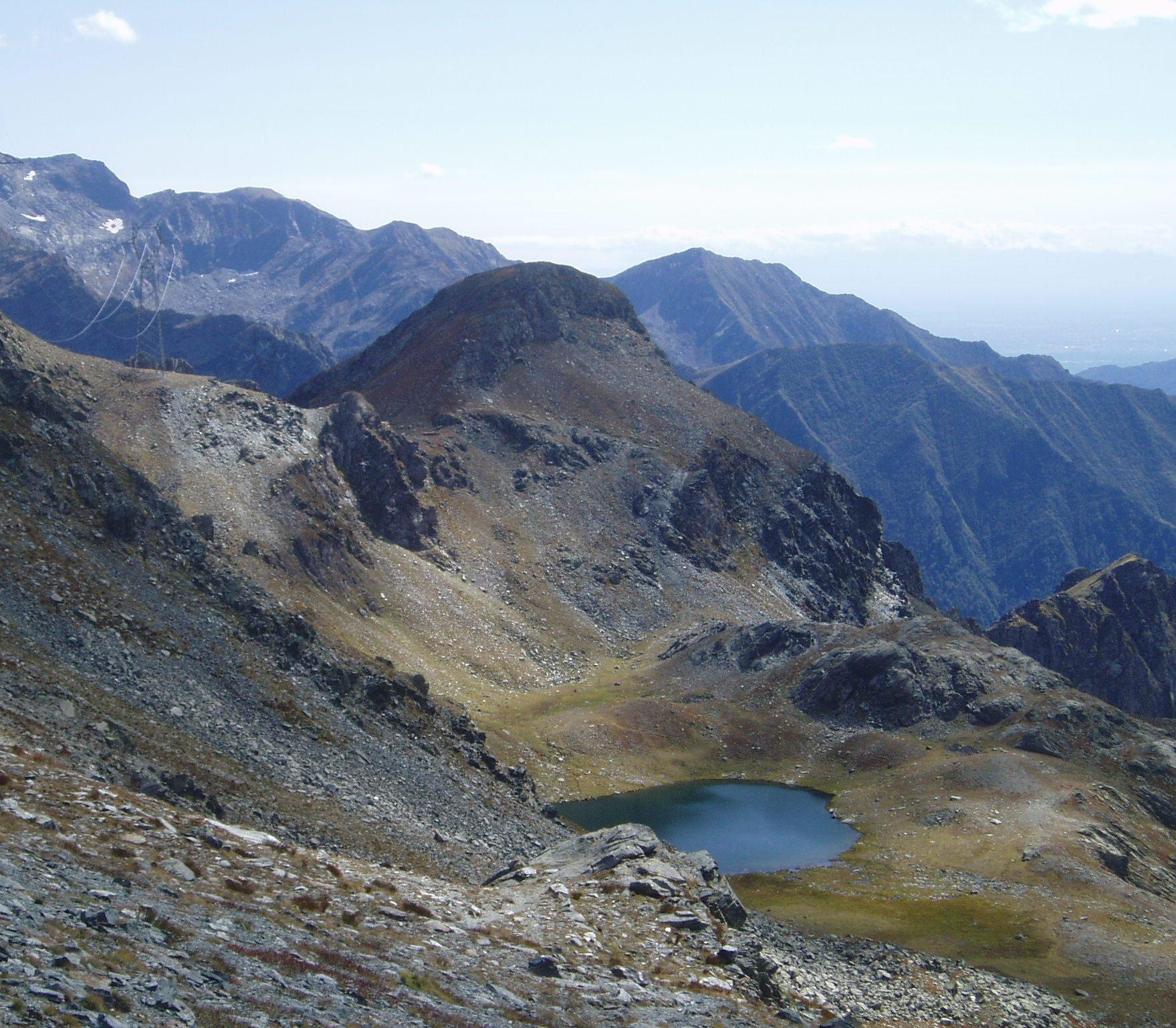 Lago La Reale e M. Nero dall'alto.