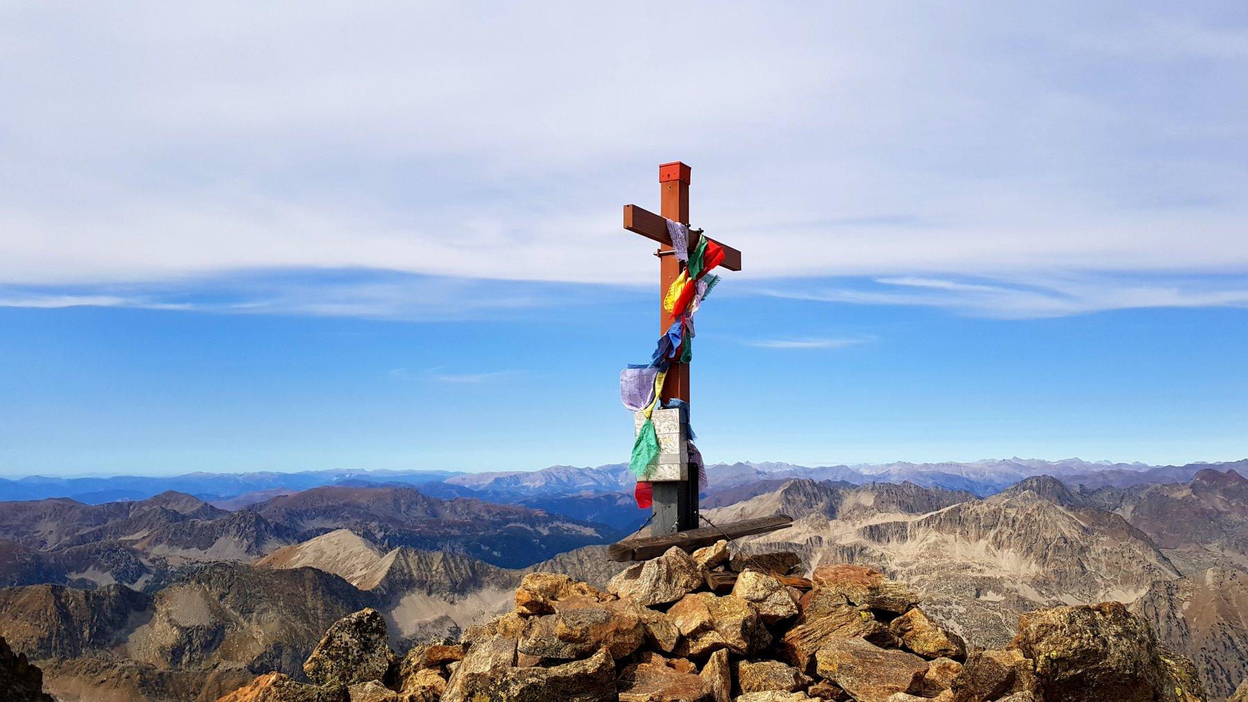 Nuova croce di vetta