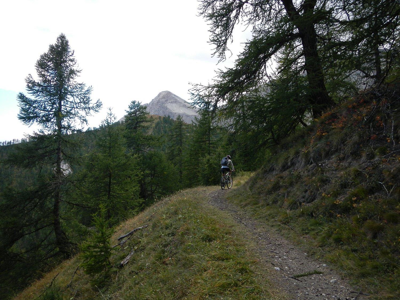 il sentiero di salita oltre la bergeria Pourachet