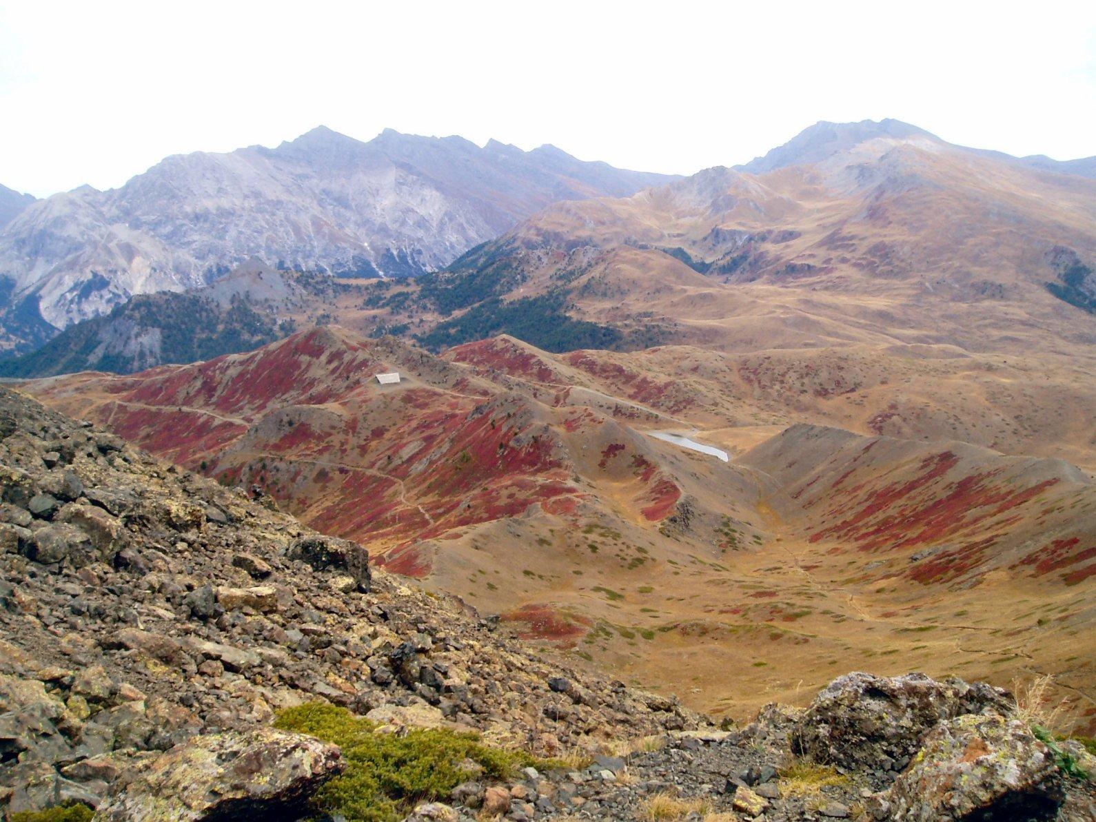 col Gimont e Lago 7 colori dal colletto che collega Valle Mandarini con Val Gimont.