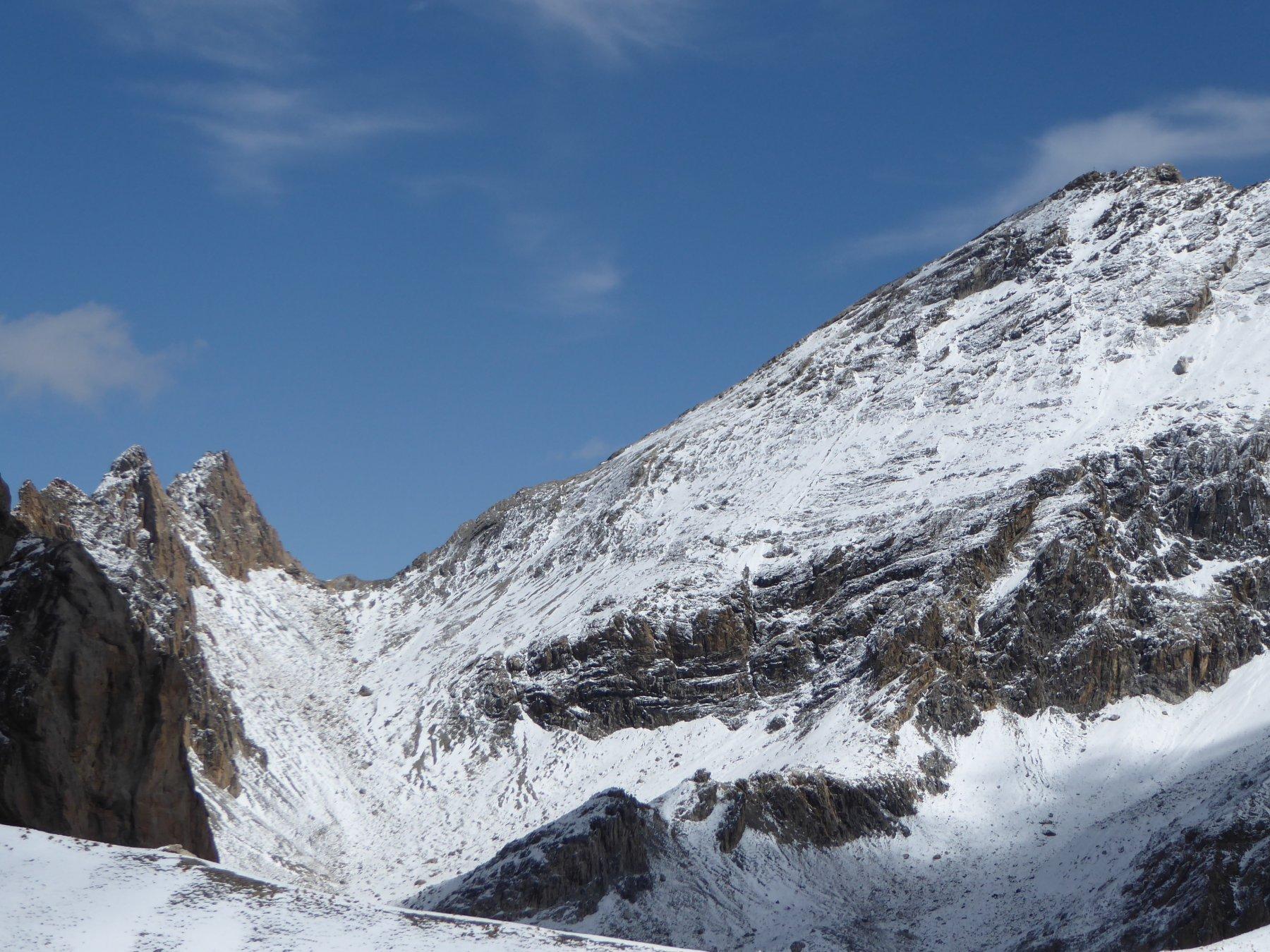 colle della Portiola e a destra la cresta di salita al Sautron