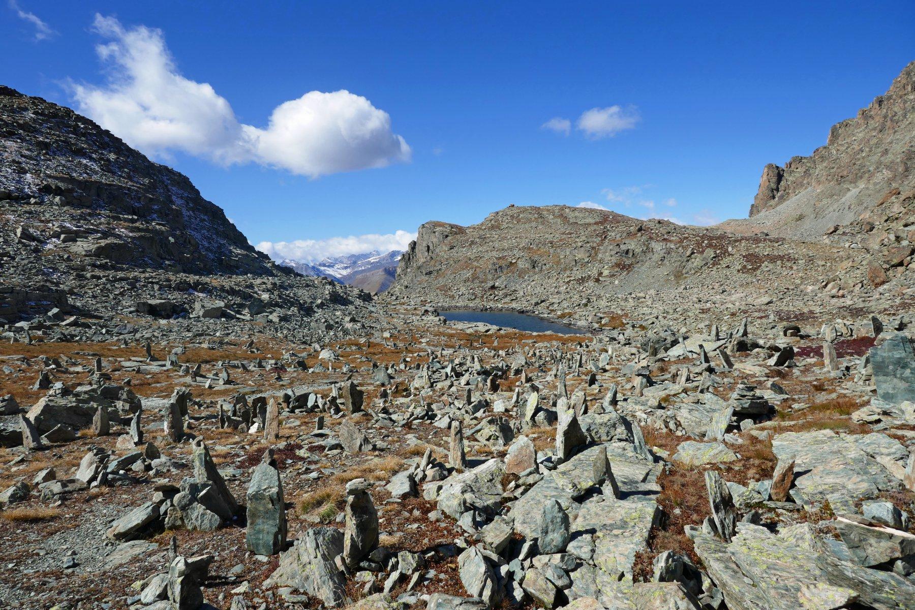 Menhir e lago Bertin