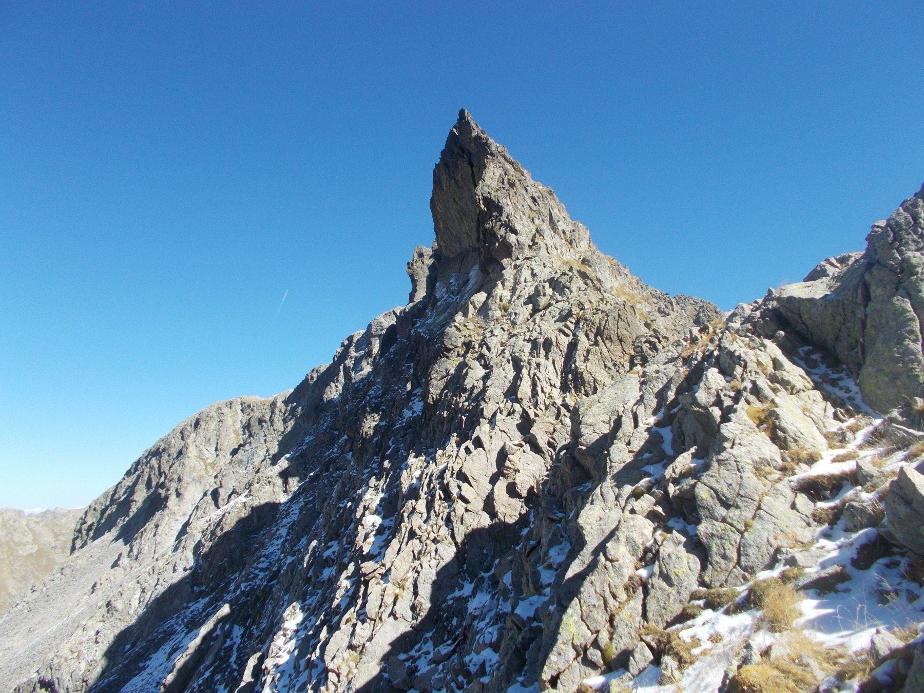 l'aguzza cresta iniziale della Charnassere punta ovest..dal colle omonimo..