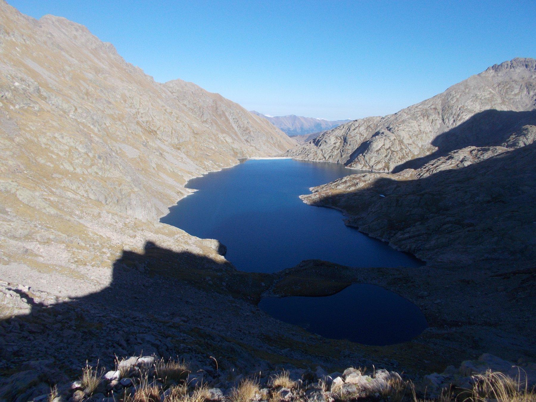 magnifica veduta sul lago Agnel..dal passo dell'Agnel..