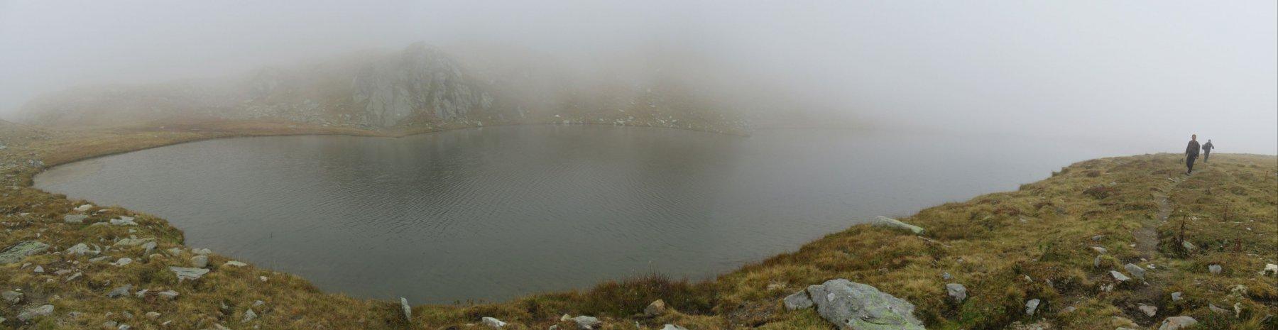 Lago Santanel avvolto dalla nebbia