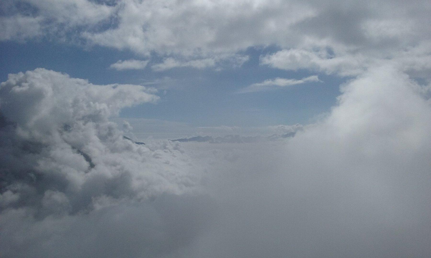 nuvole e azzurro