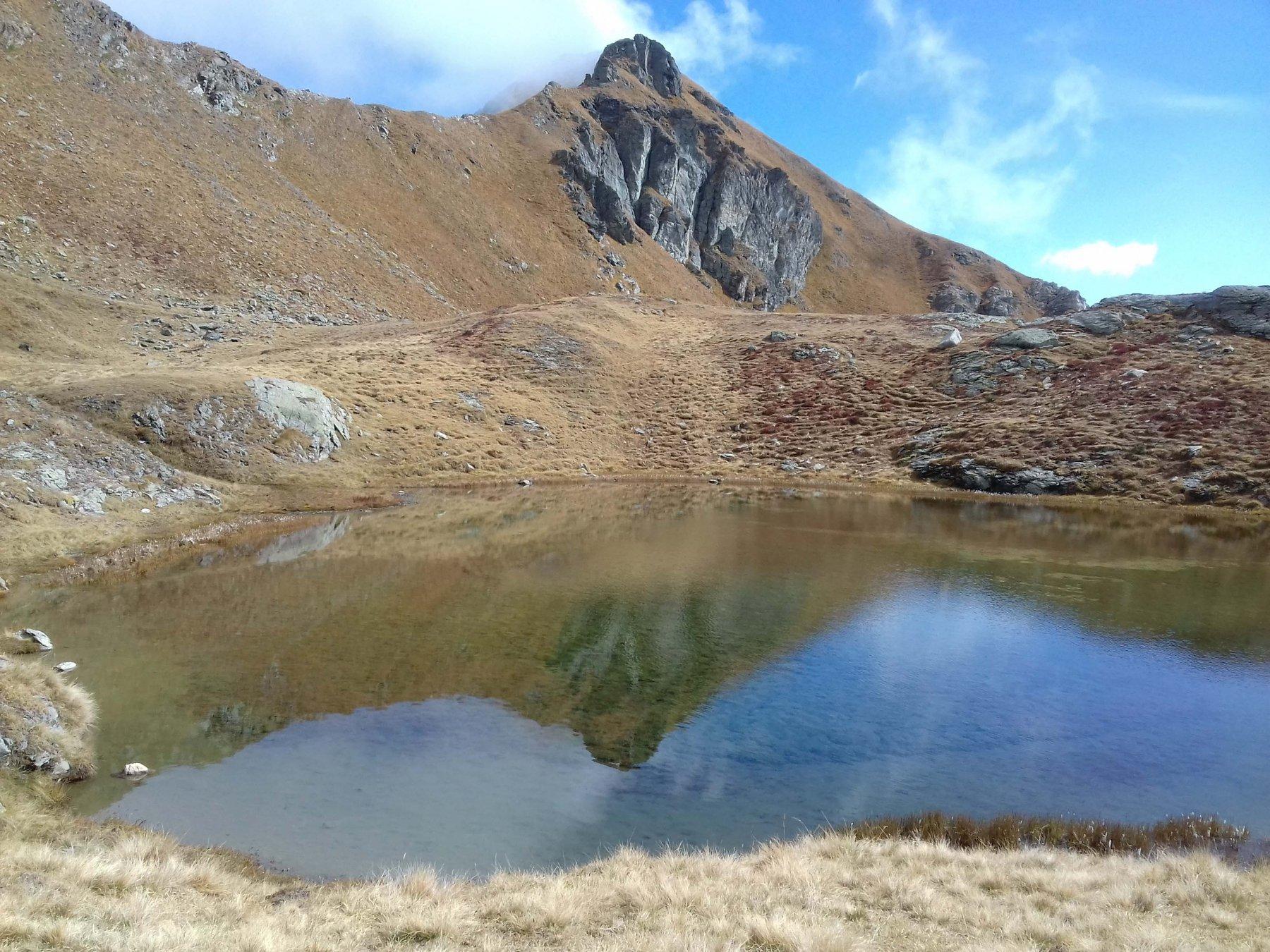 Il lago prima del colle Du Salvè
