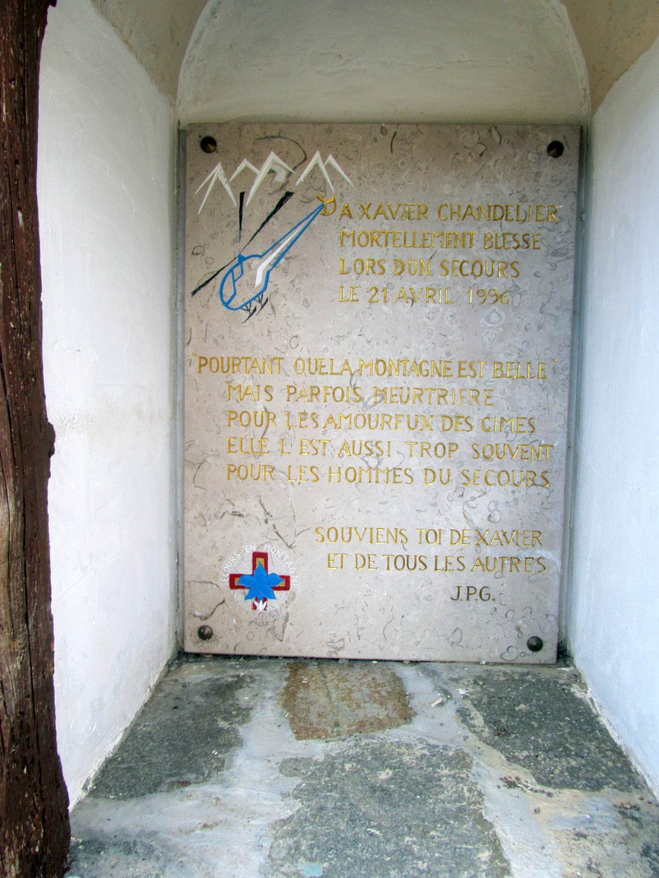 una delle cappelle votive lungo il sentiero per N.D. des la Neiges