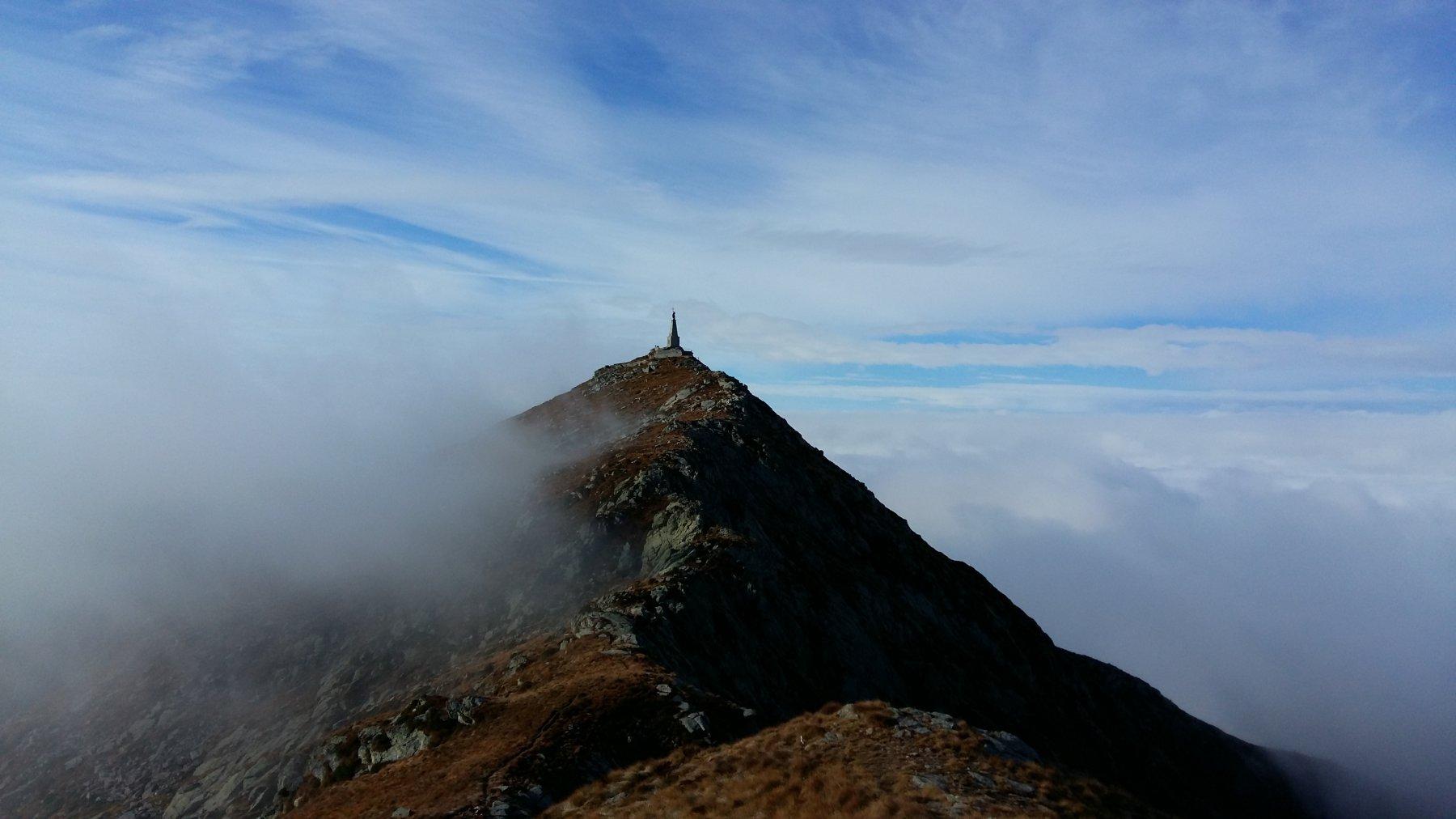 Colma di Mombarone dalla cima