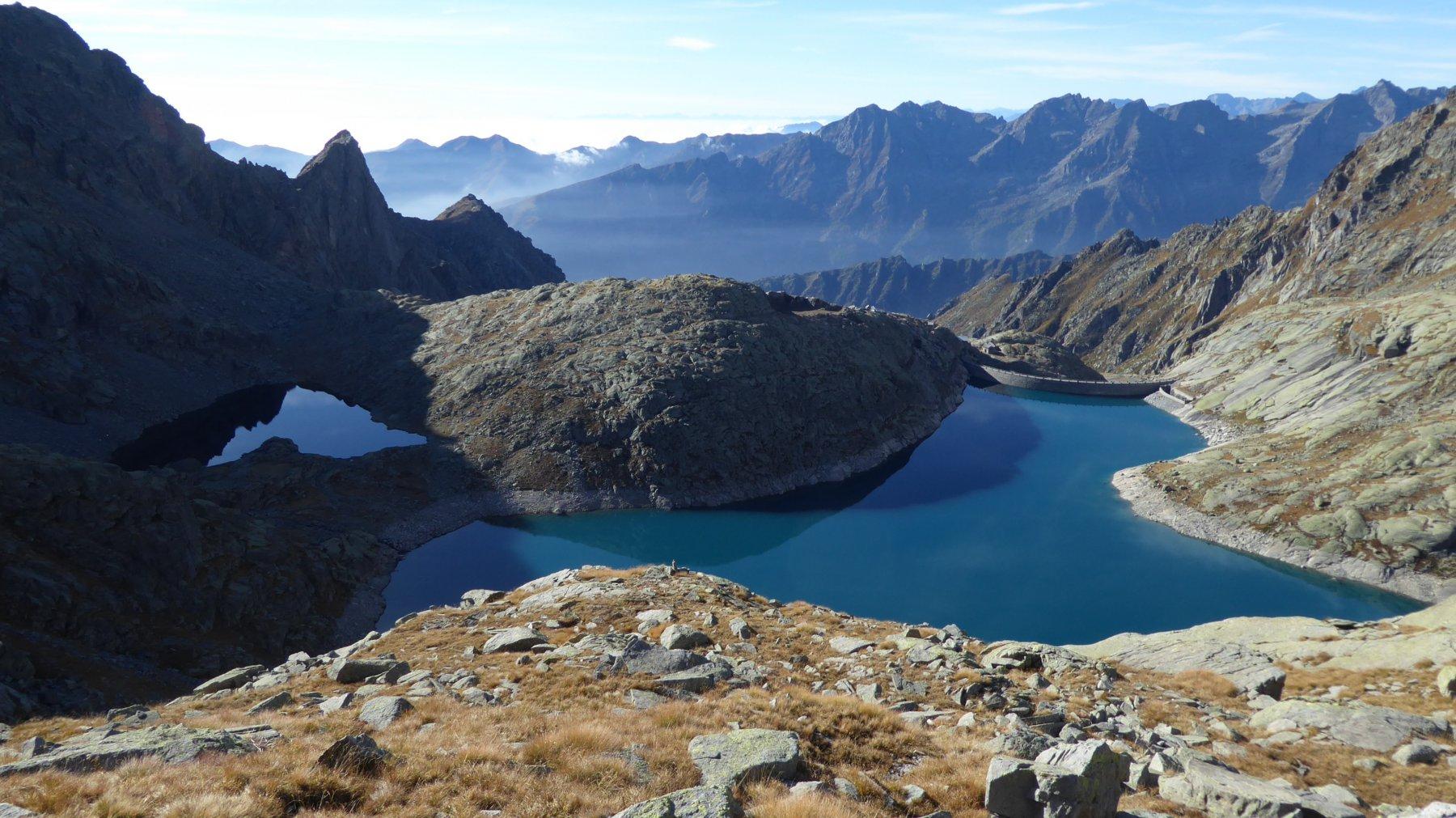 Vista sui laghi Nero e Valsoera