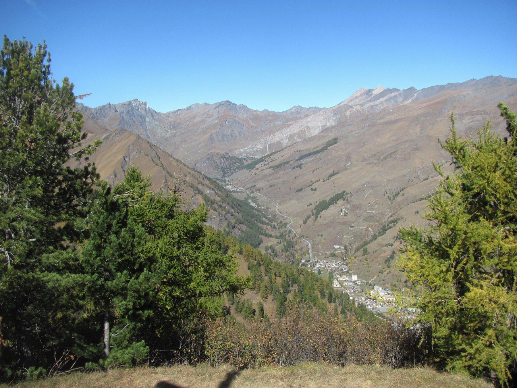 vista sull'alta val Varaita, ramo di Chianale, verso il Colle dell'Agnello