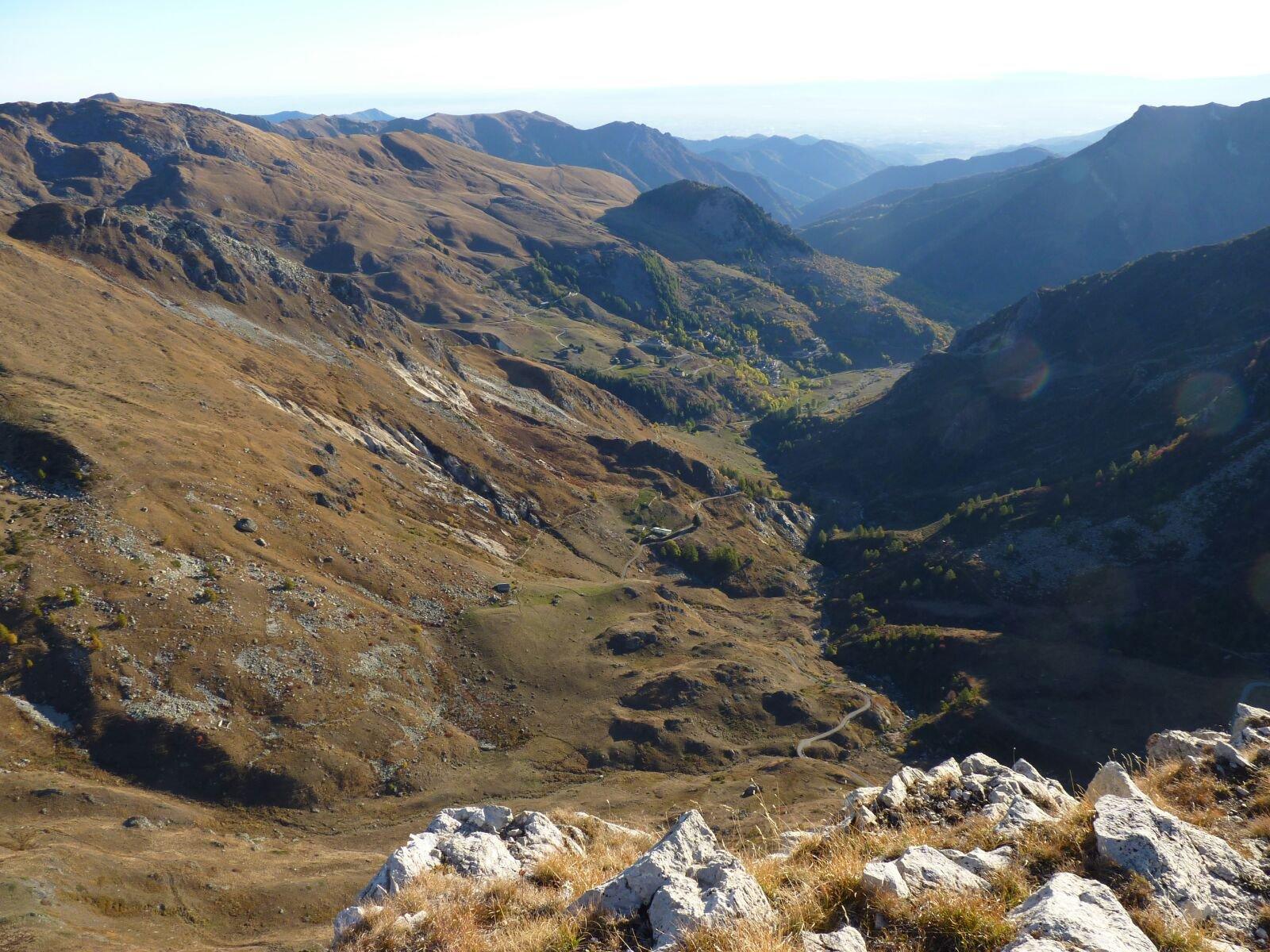 panorama su Castelmagno e Valle Grana da Rocca Parvo