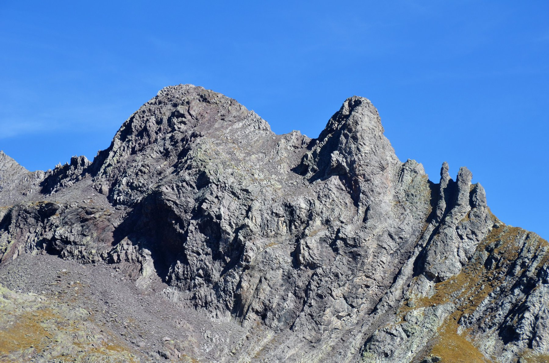 La bella Punta Stefania (a sinistra)
