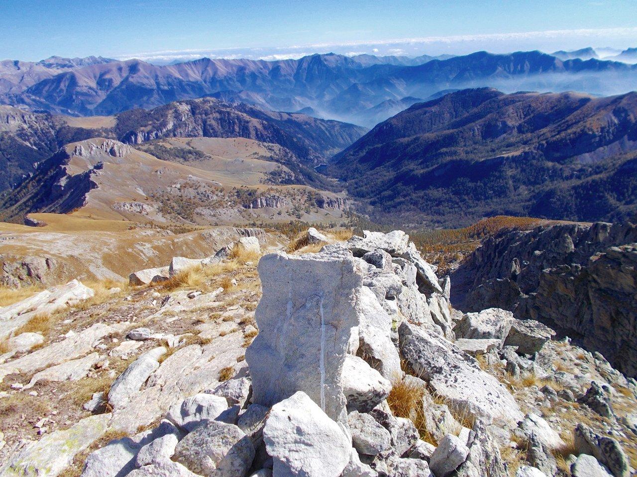 dalla cima vista  sulla Val Roya ,alpi Liguri e Marittime