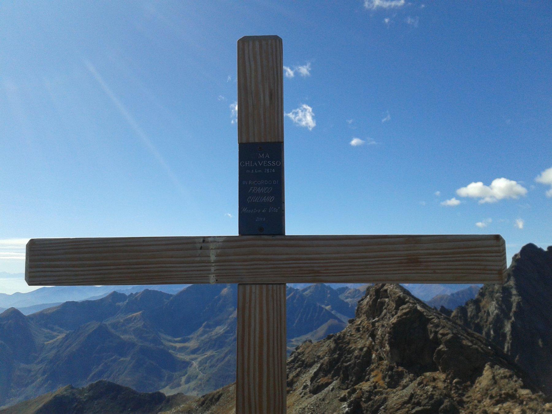 Nuova croce di vetta (2016) e targa in memoria