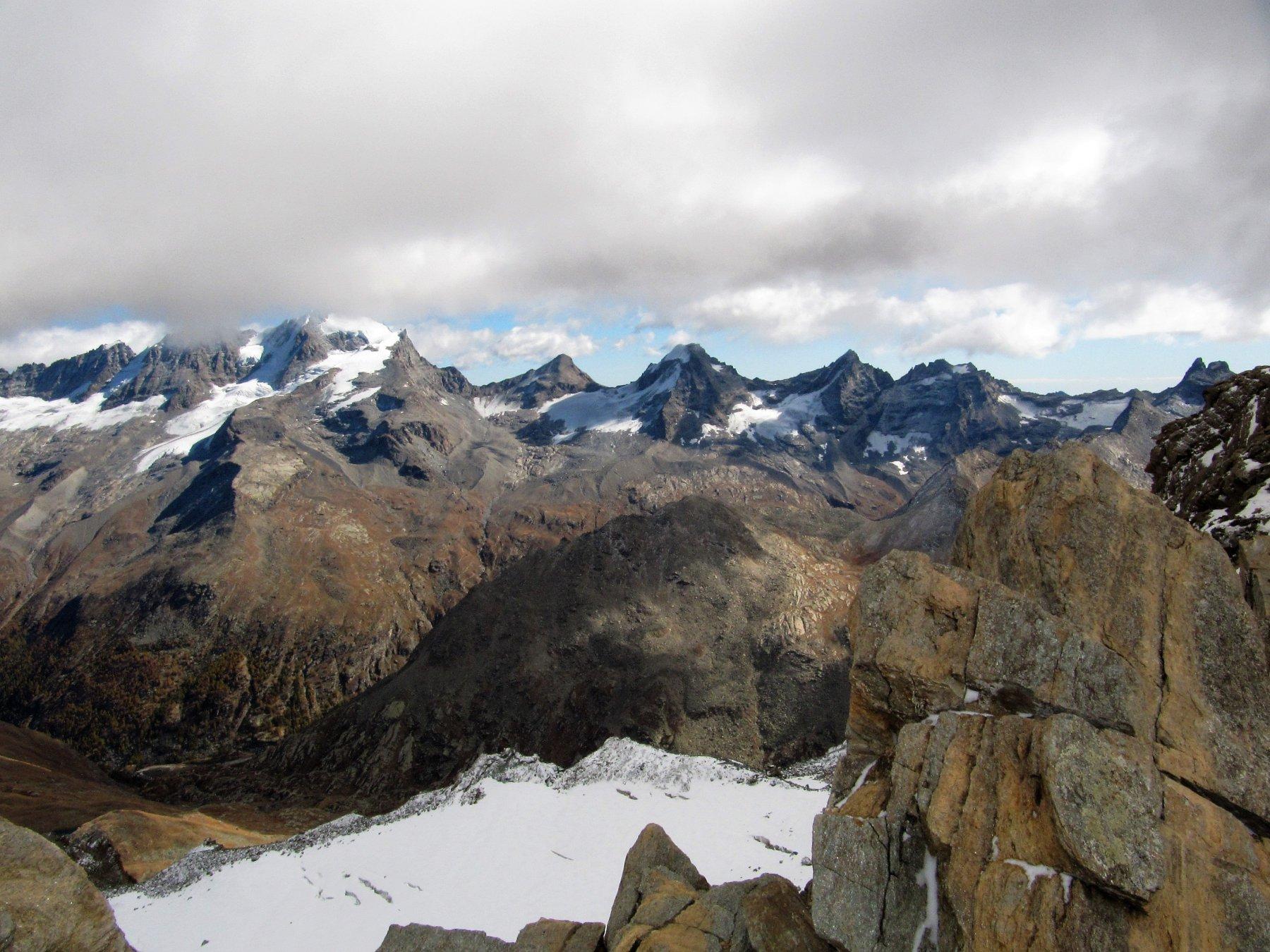 Dalla Vetta panorama sul Gruppo del Gran Paradiso