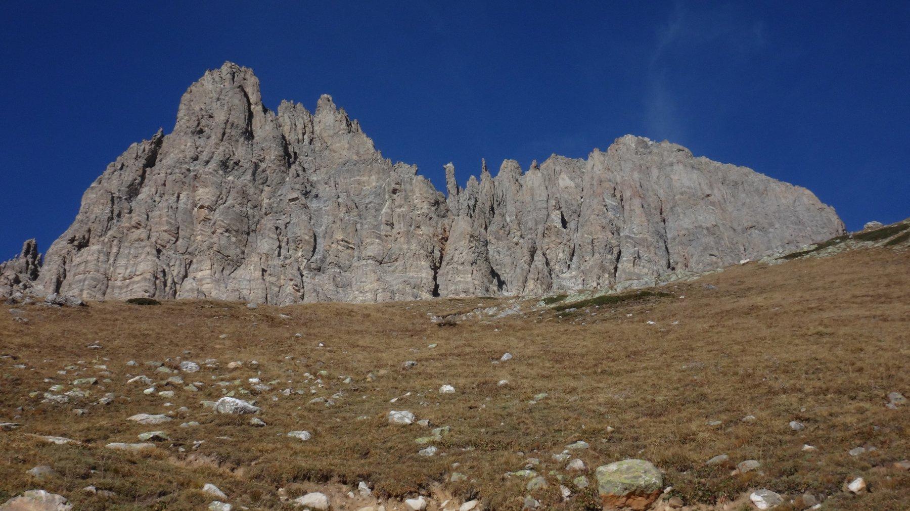 Grand Séru da questo lato una vera cattedrale in montagna