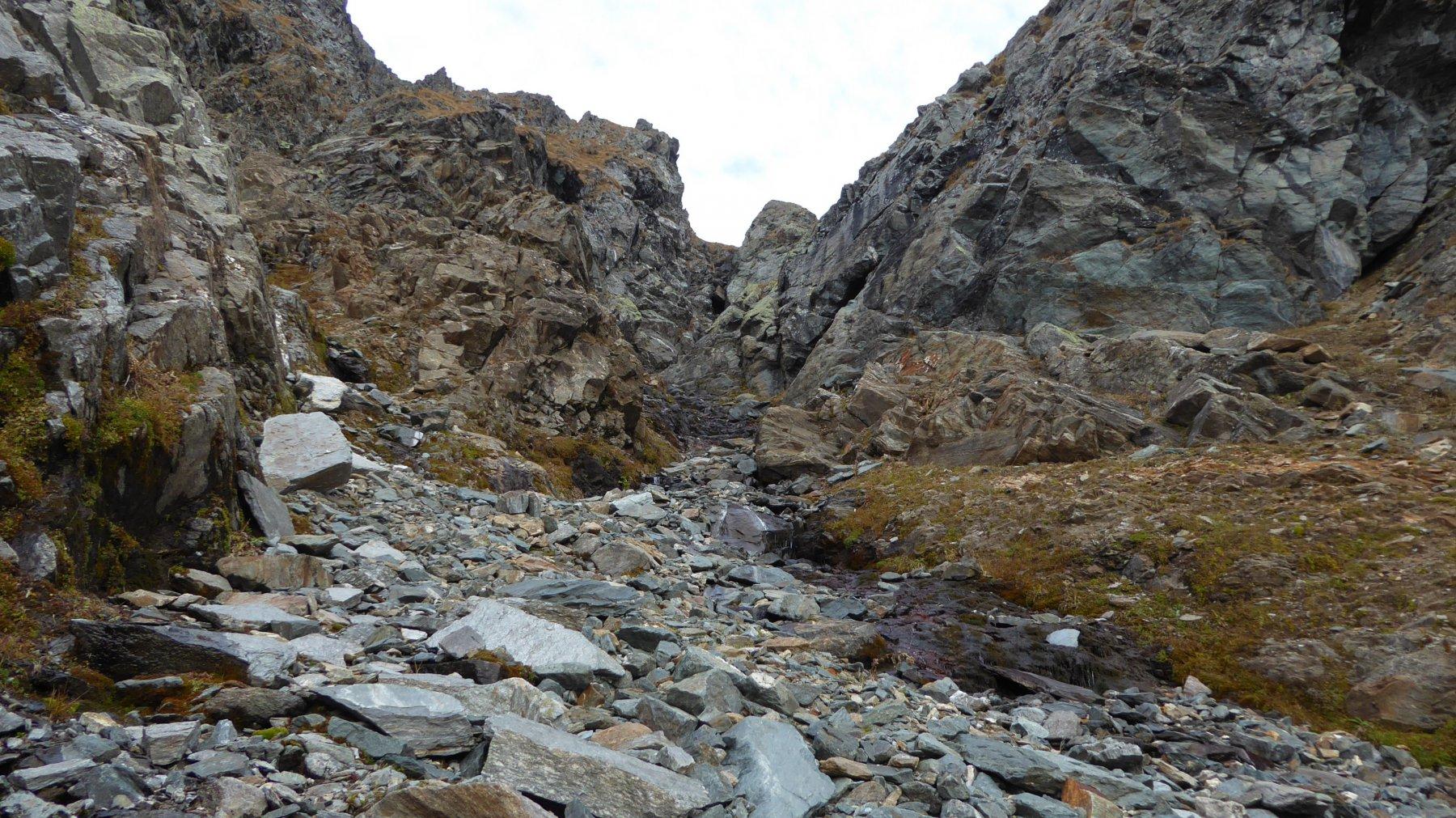 Nel canale: meno male che l'acqua è poca e le rocce un pò più asciutte!