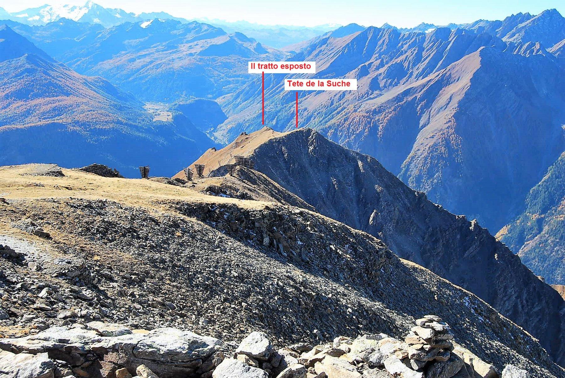 Vista dalla vetta, la cresta per la Tete de la Suche