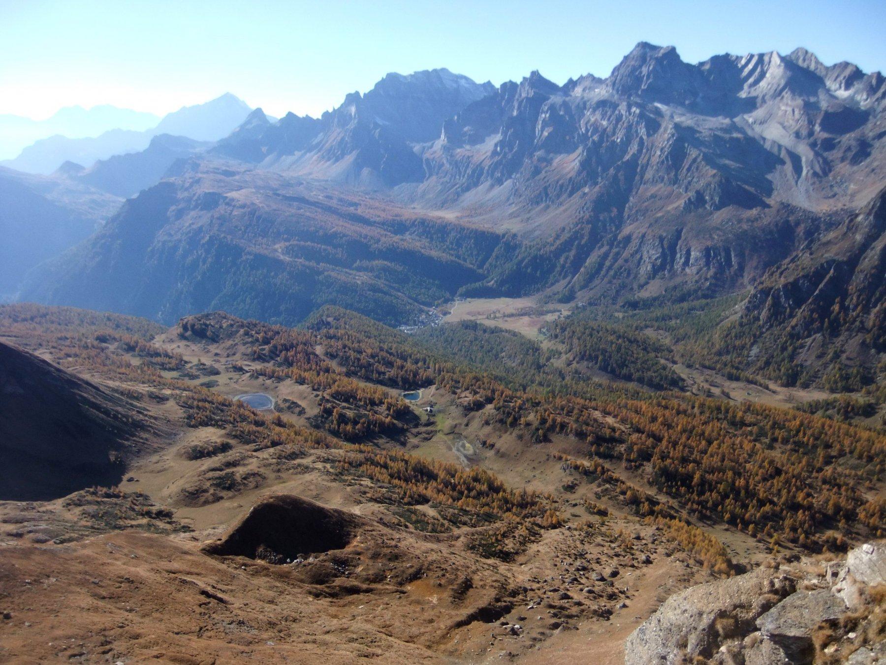 Dalla cima del Corbernas : Laghi del Sangiatto ed Alpe Devero
