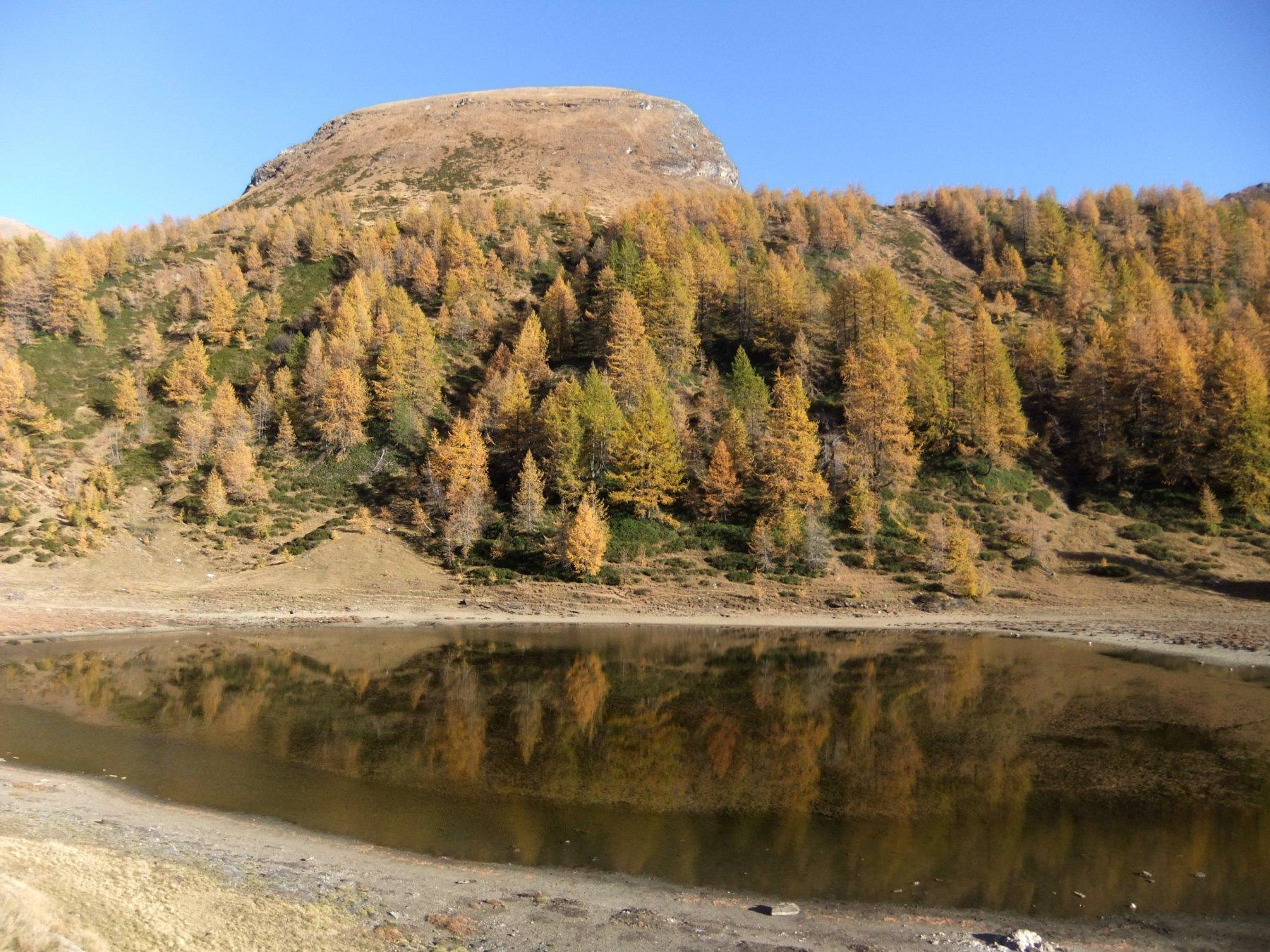 Lago grande del Sangiatto e Monte omonimo