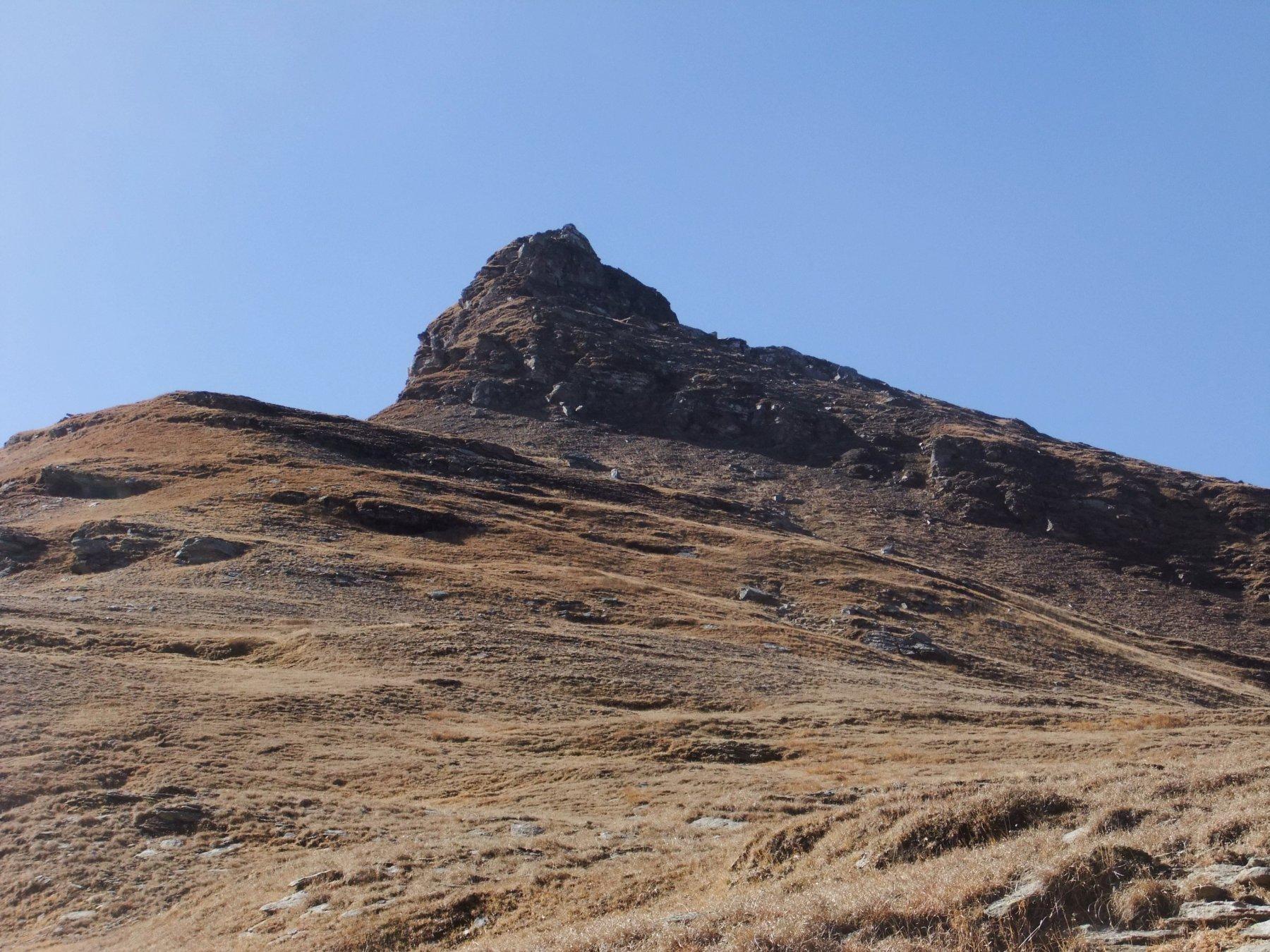 Punta della Valle dal Passo Pojala : noi siamo saliti in un canalino a destra