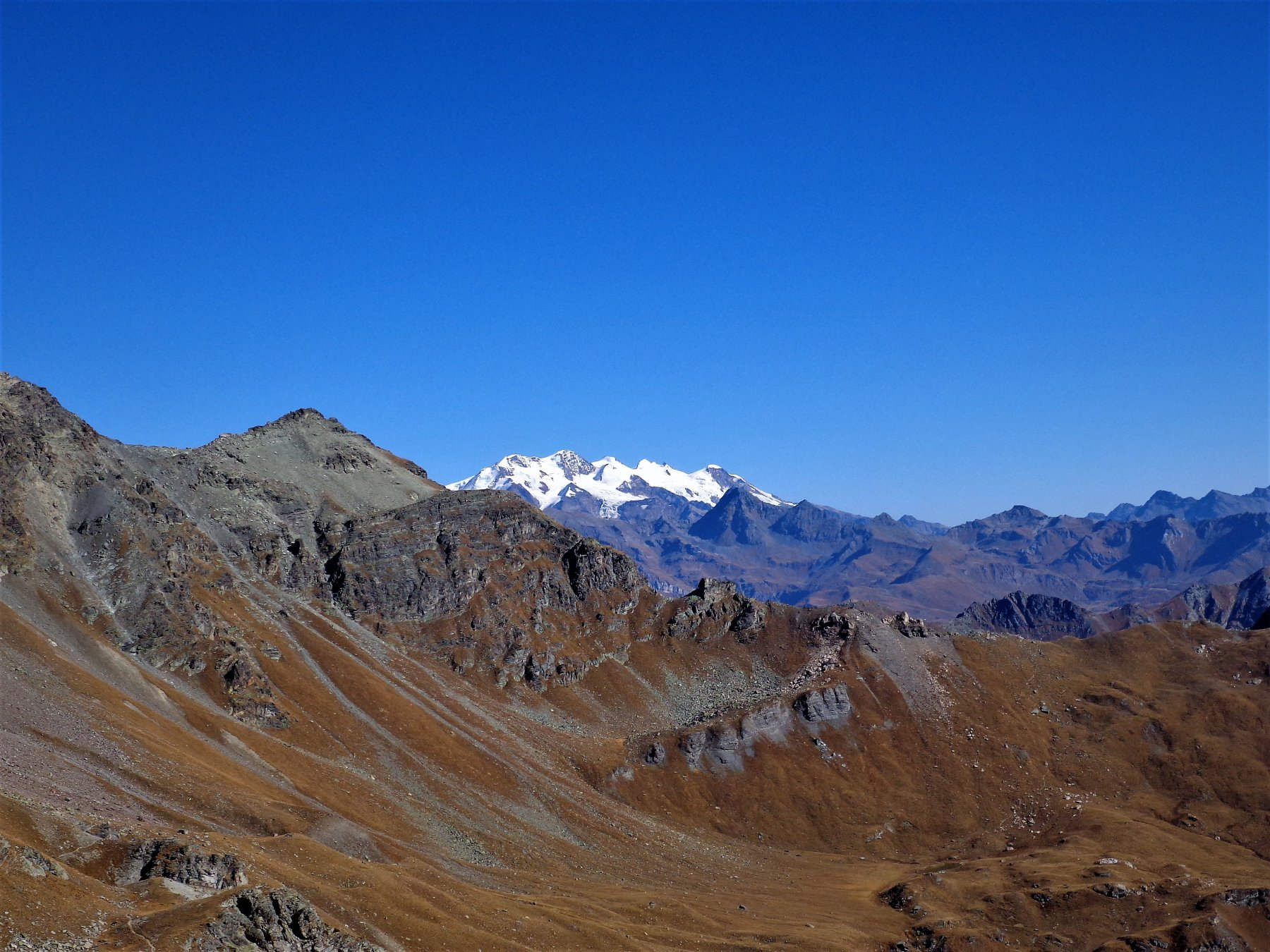 Becca Fontaney, Monte Rosa e Colle di Chalèby dal Col Vessona