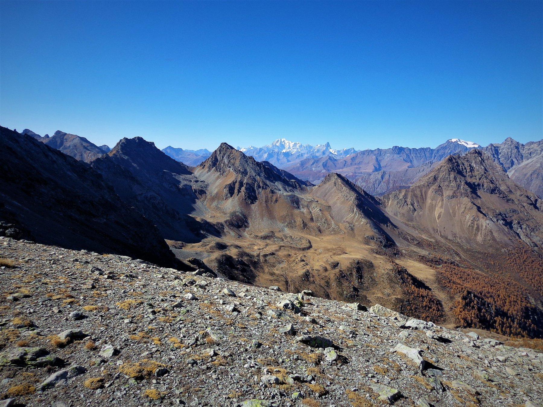 Panorama verso il Monte Bianco