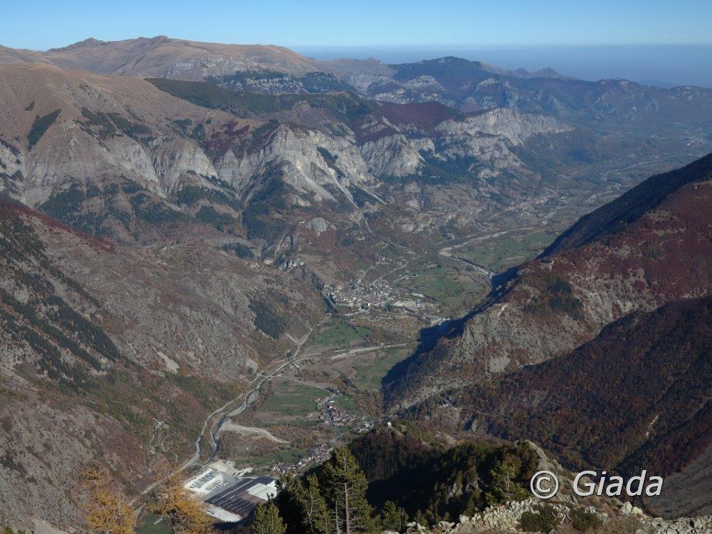 Panorama verso Vinadio e il solco della bassa Valle Stura