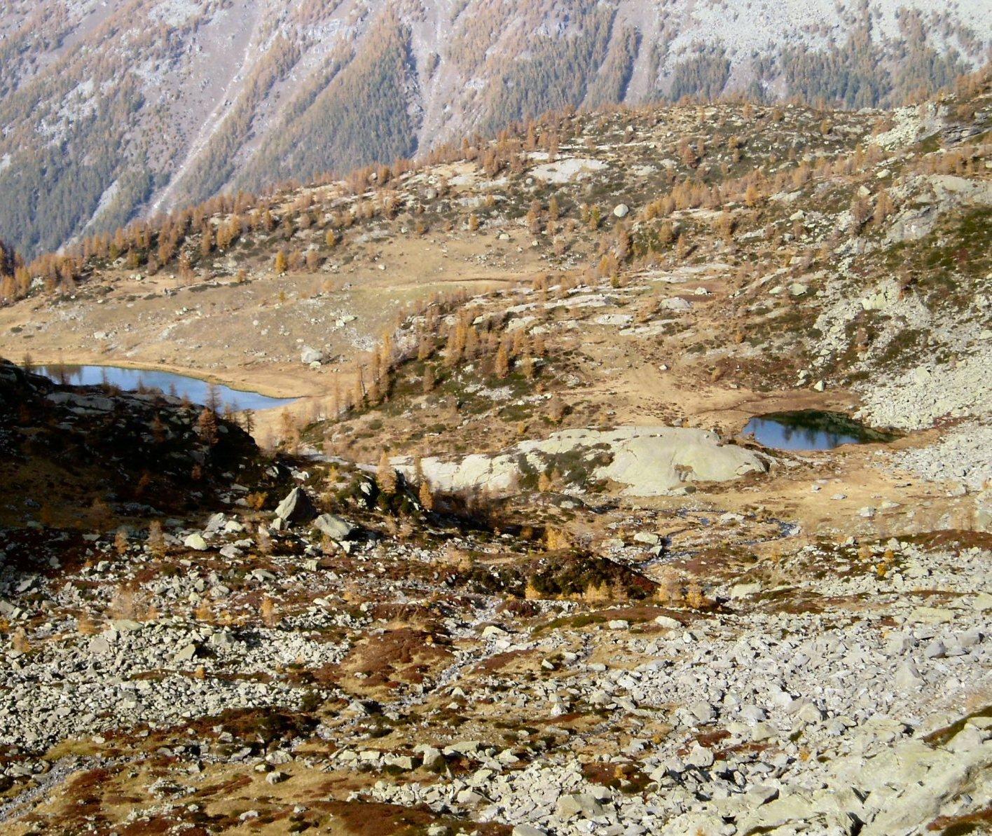 Lago di Dres ed un altro laghetto.
