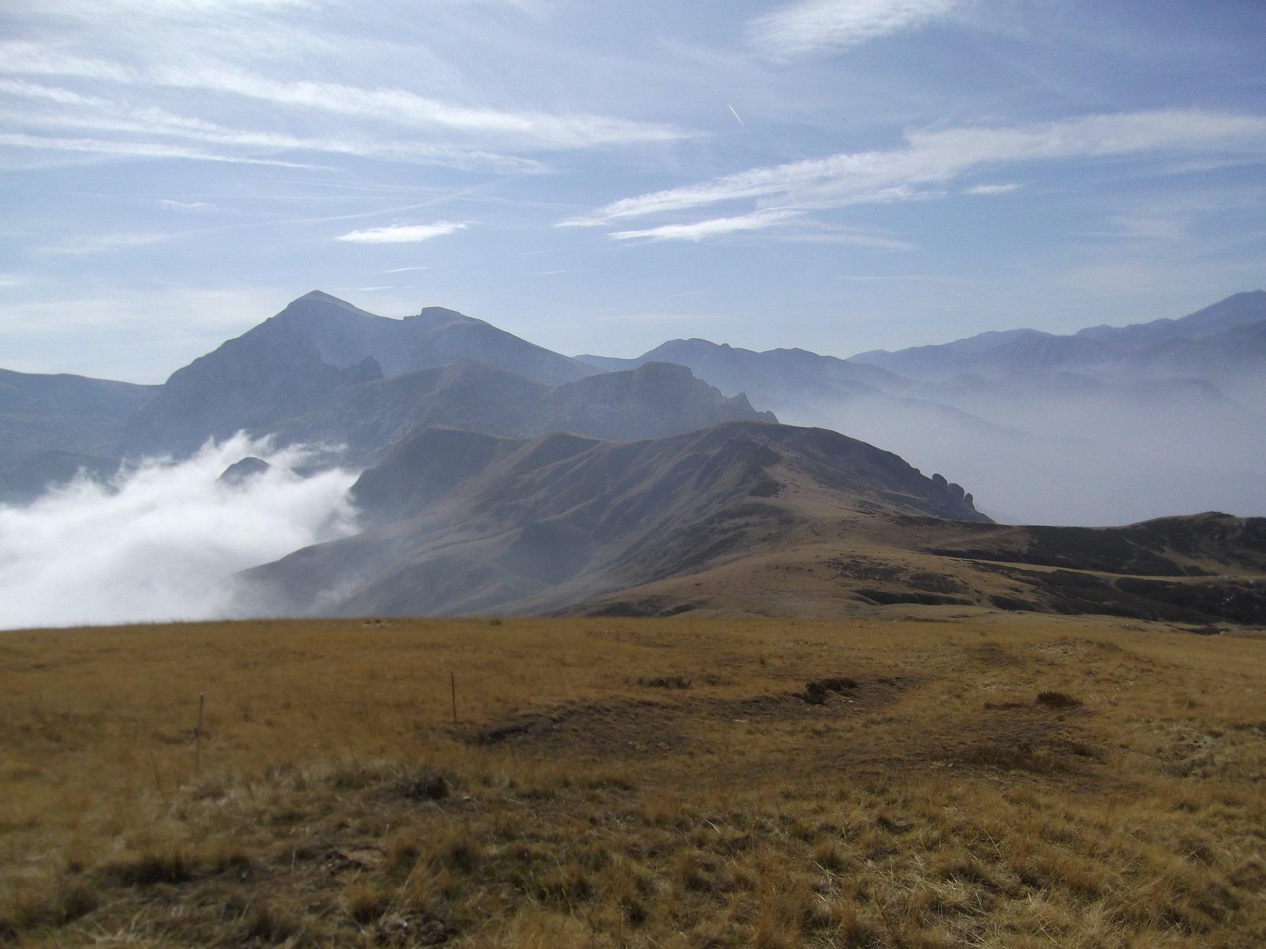 Il crinale direzione Monte Jurin da Punta Mirauda.