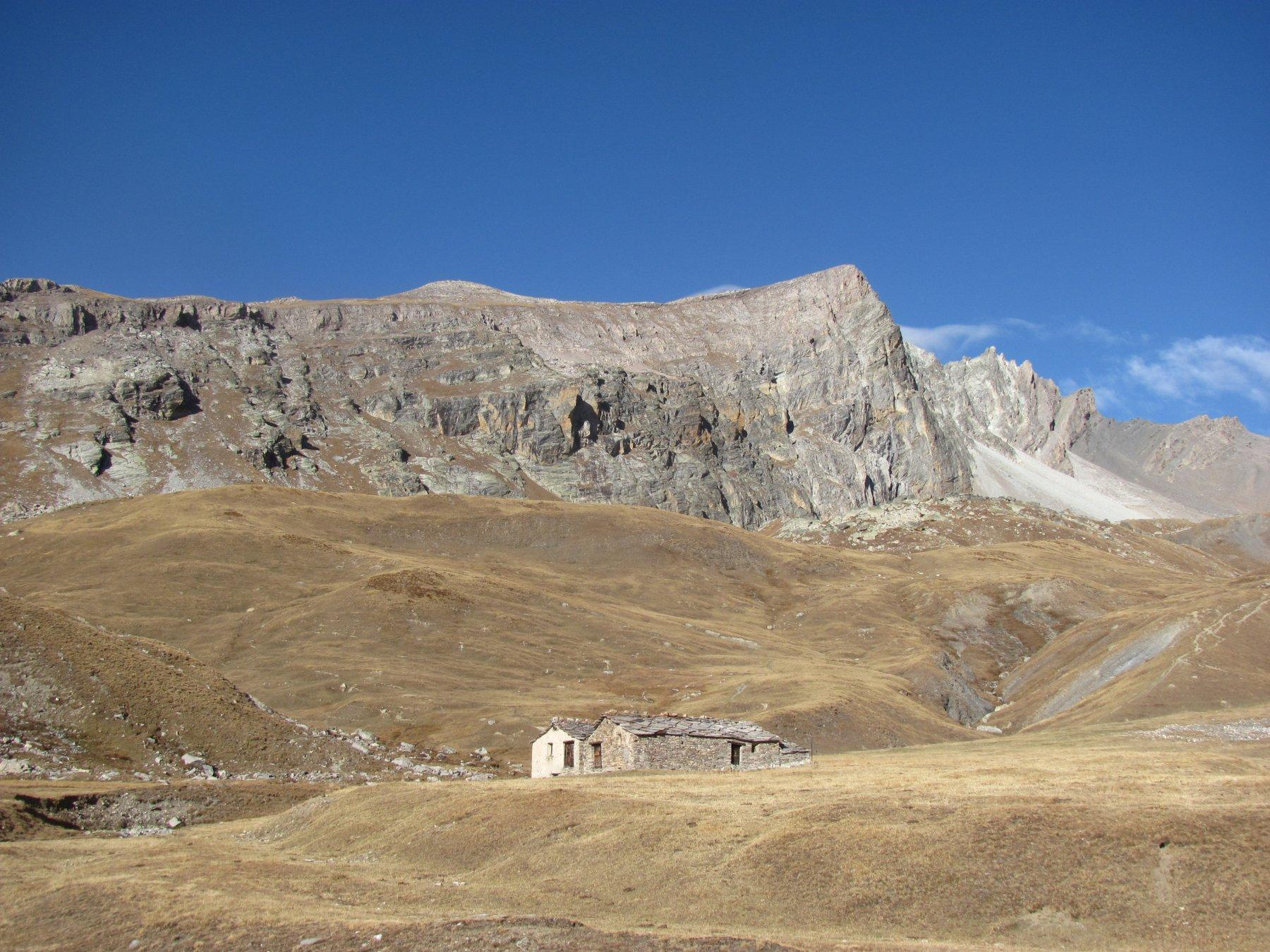 il Monte Maniglia visto dalle Grange dell'Autaret