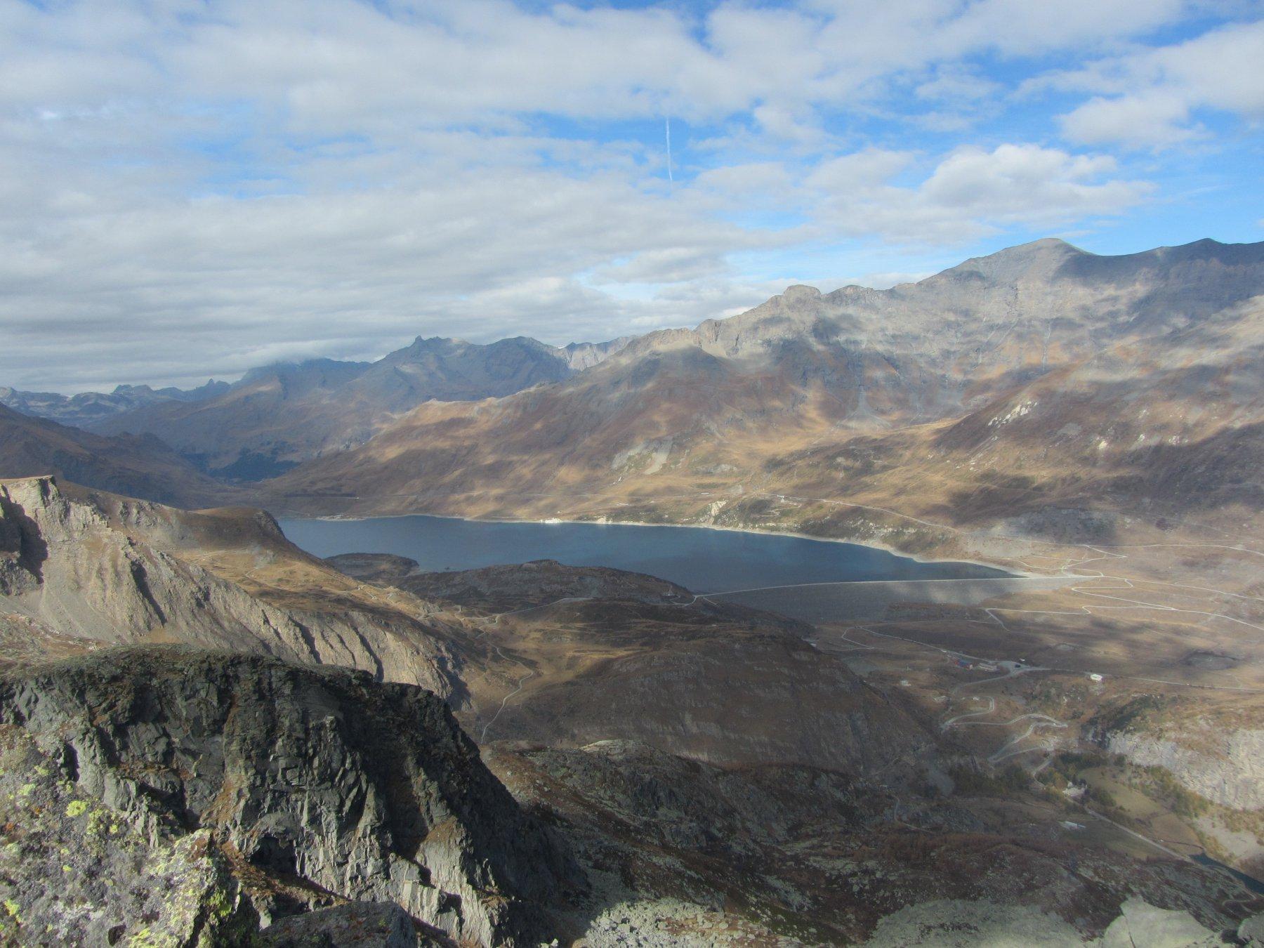 Vista sul lago del Moncenisio 30 m sopra il bivacco