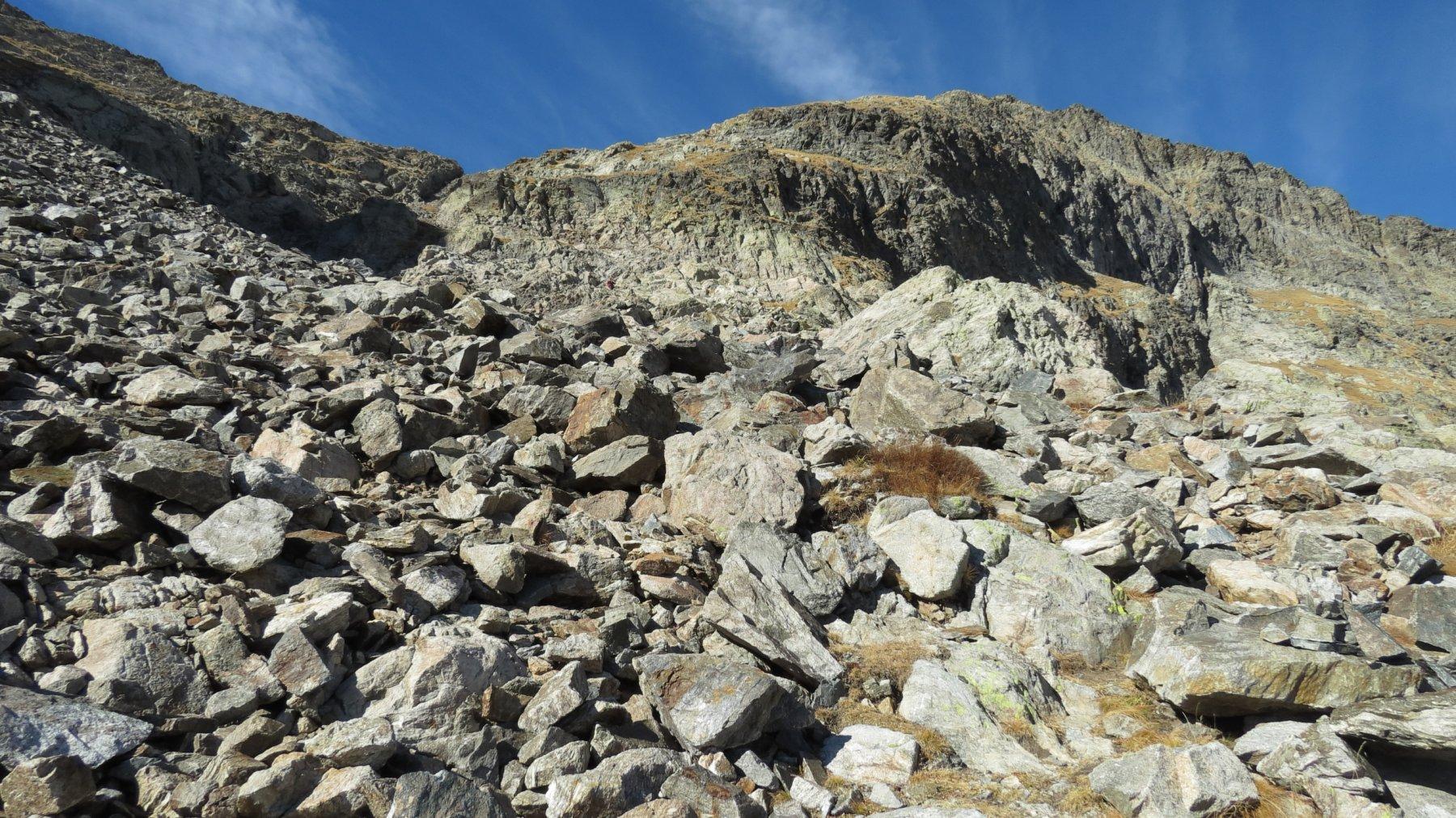le ripide distese di pietrame che portano al Pas de la Fous