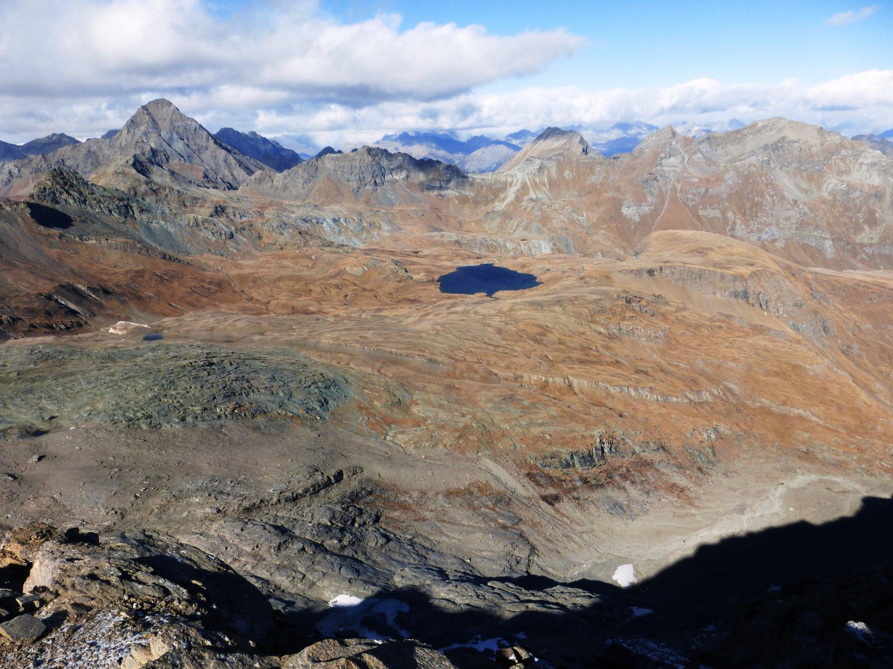 il lago Miserin visto dalla cima