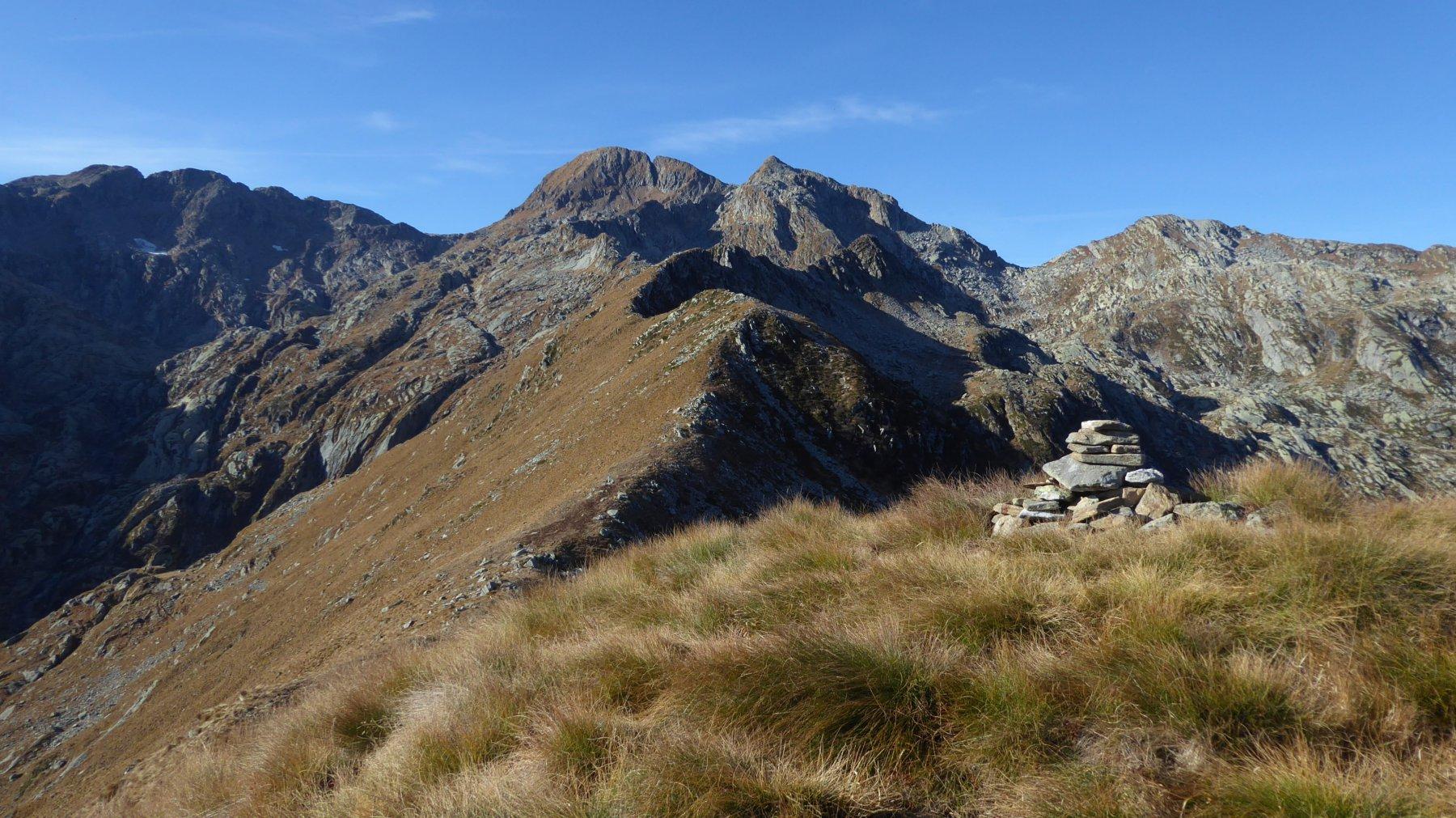 Dal Monte Rosso, la cresta verso le Burè, con Liamau e Monfandì