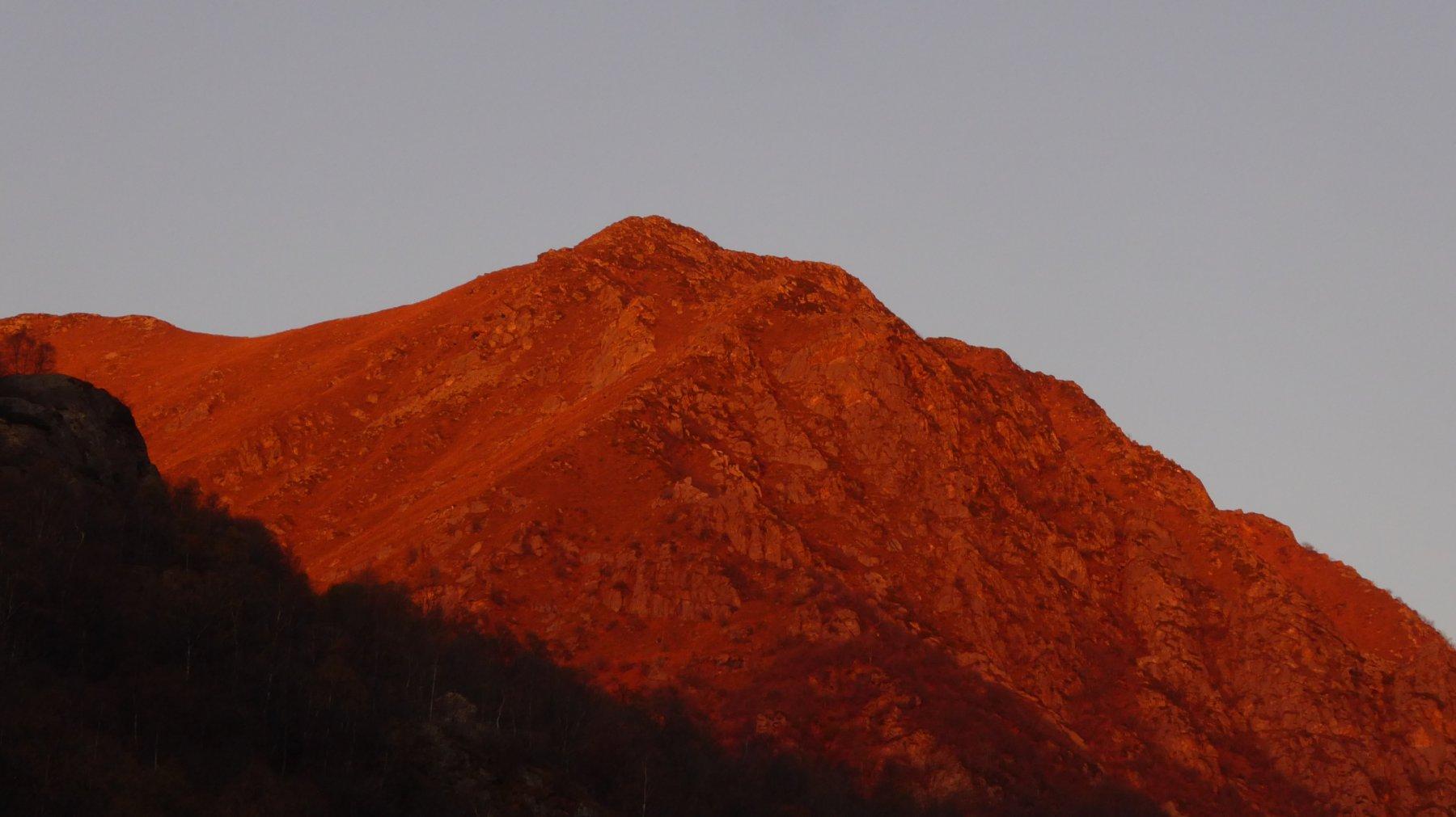 Non c'è nome più appropriato: proprio Monte Rosso!