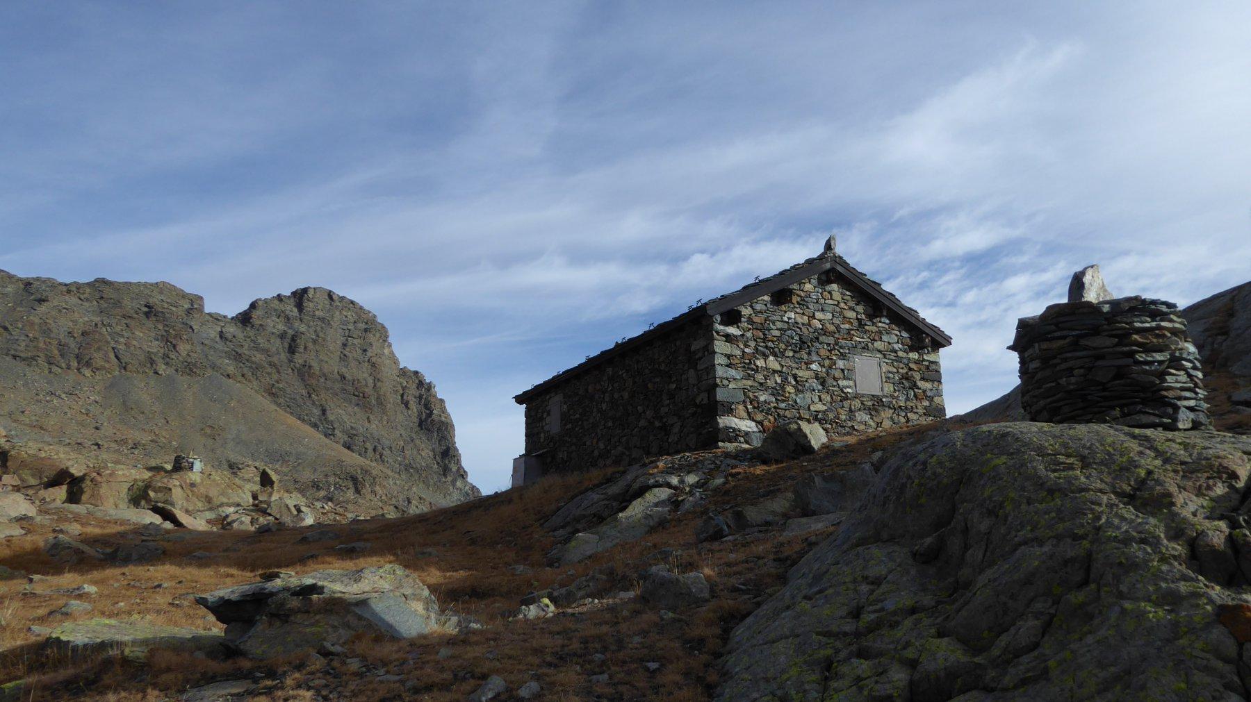 Bivacco forestale e Monte Avic