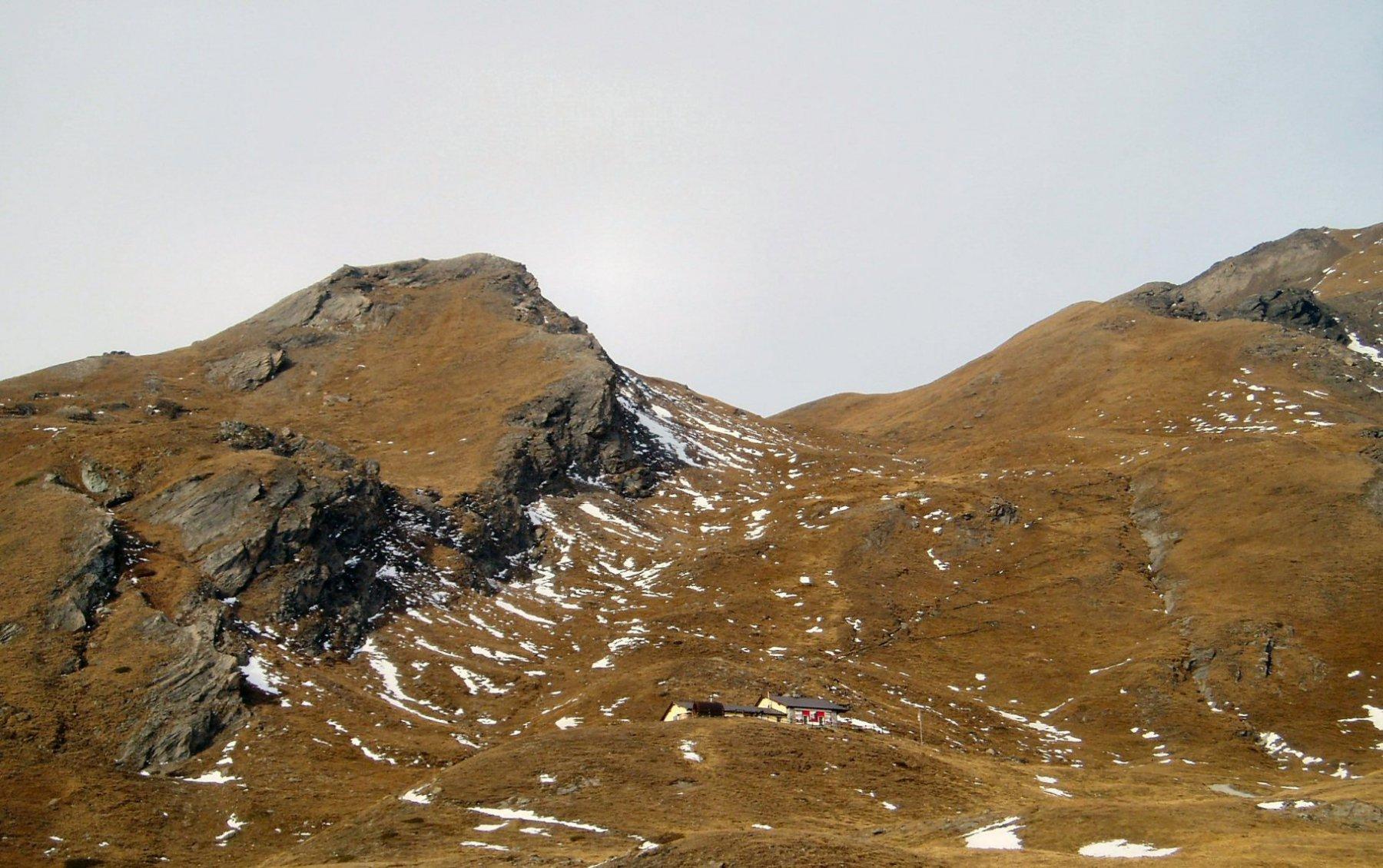 Rifugio e Col Champillon.