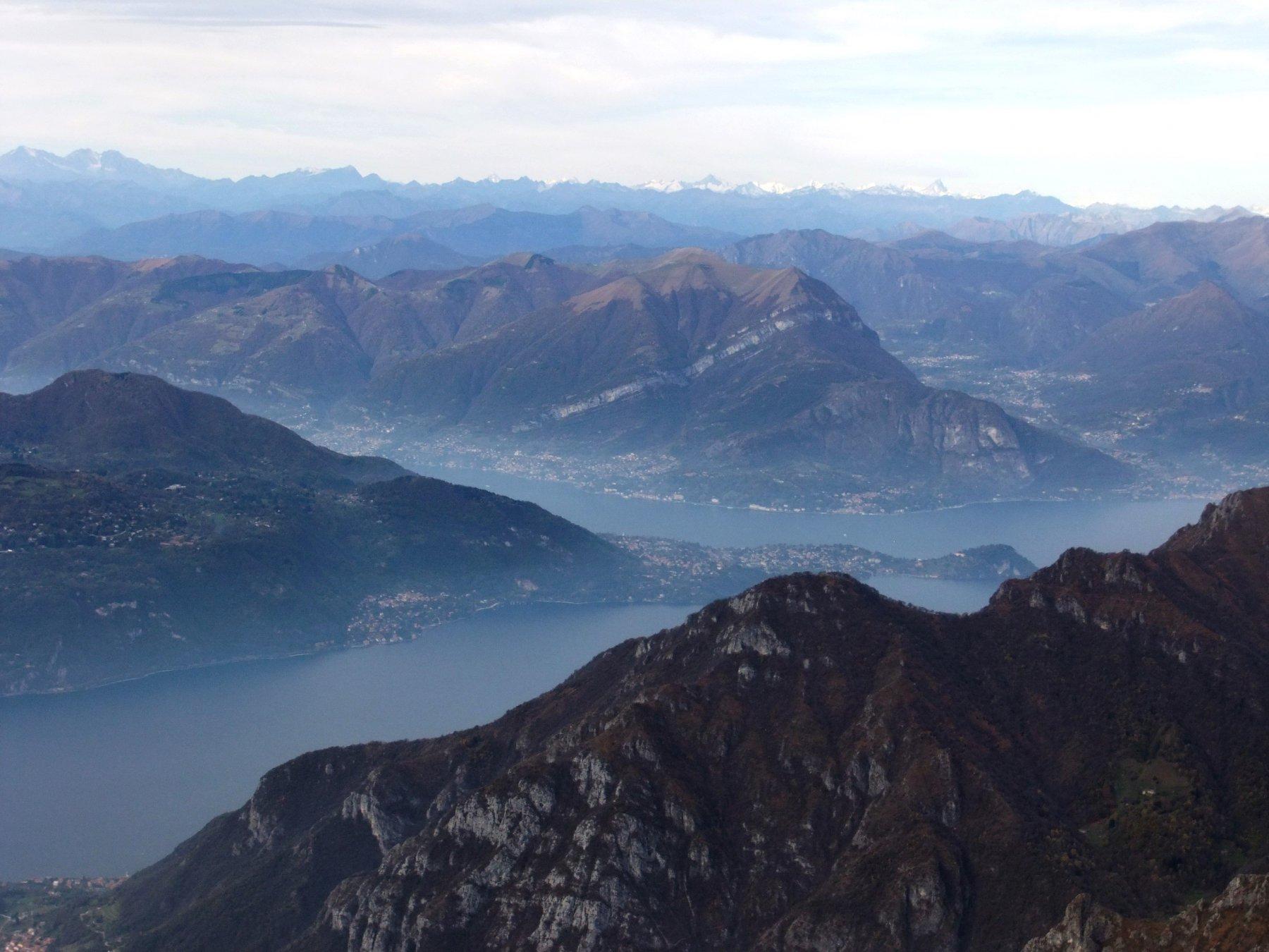 Panorama dalla cima verso il Lago di Como