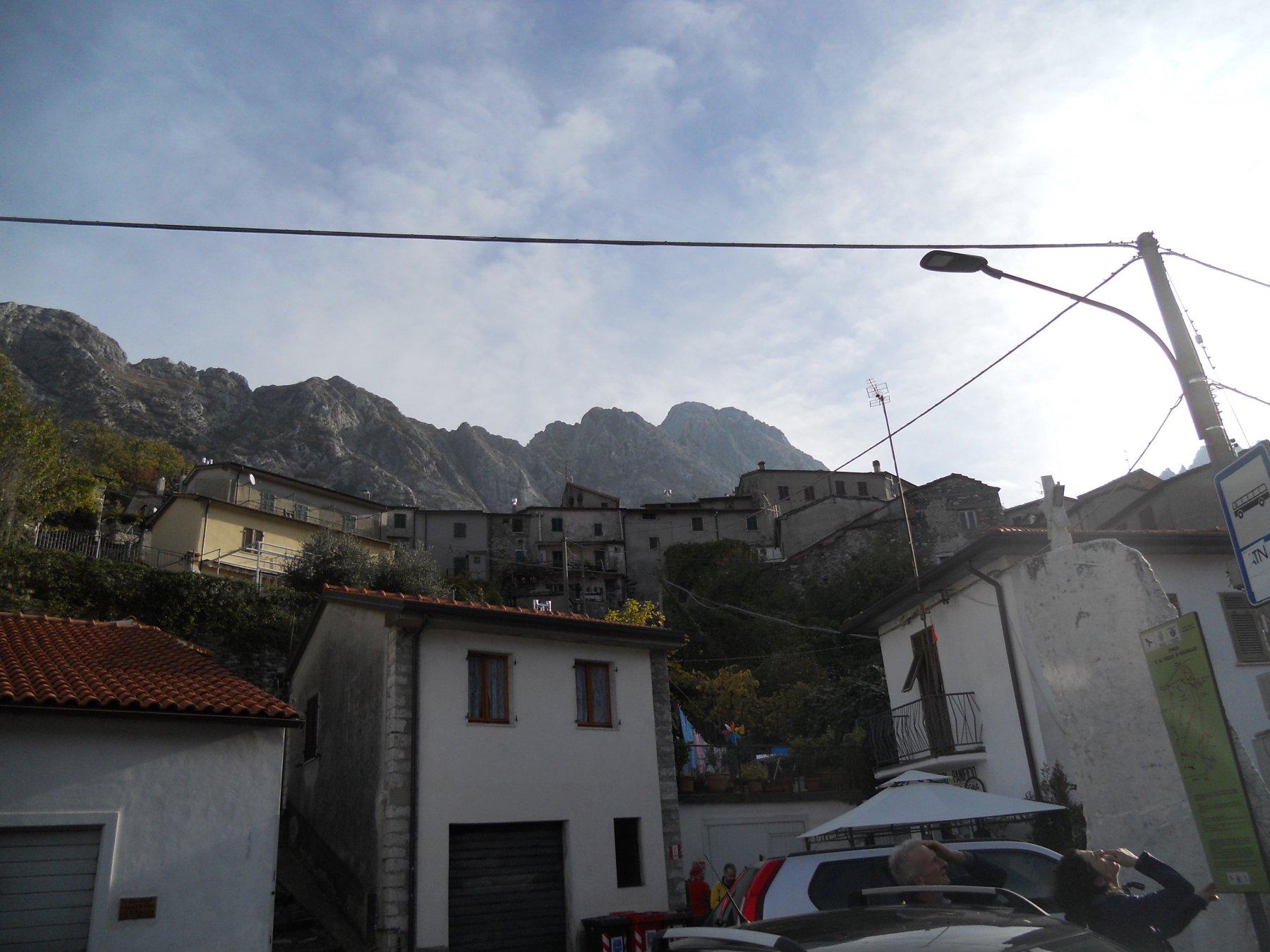 La cresta vista da Vinca
