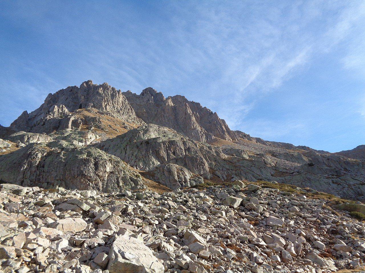 Valcuca (Cima di) quota 2540 m Sperone Centrale - Via Fasciolo-Girelli 2017-10-29