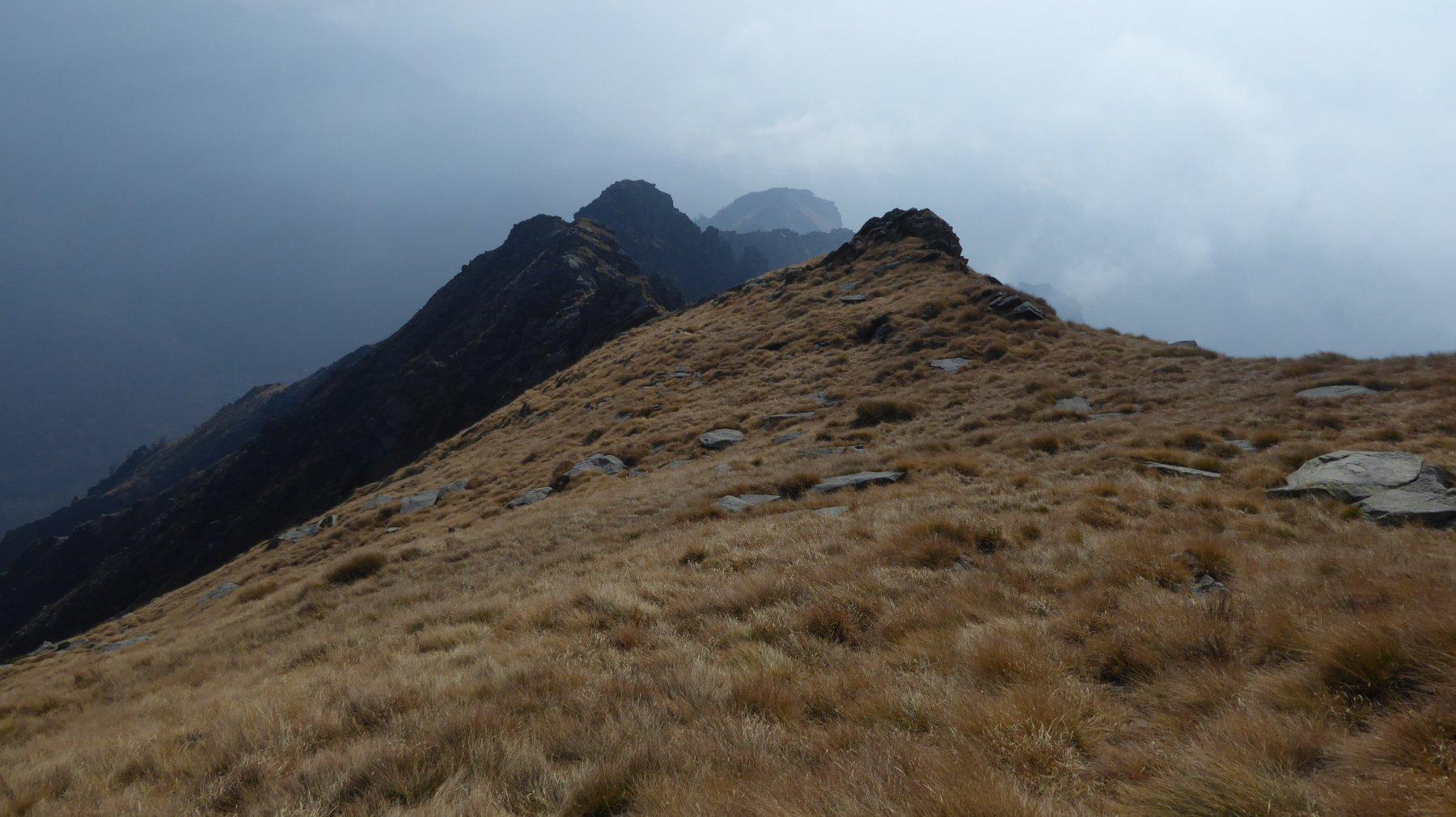 La lunga cresta verso la Malpensata