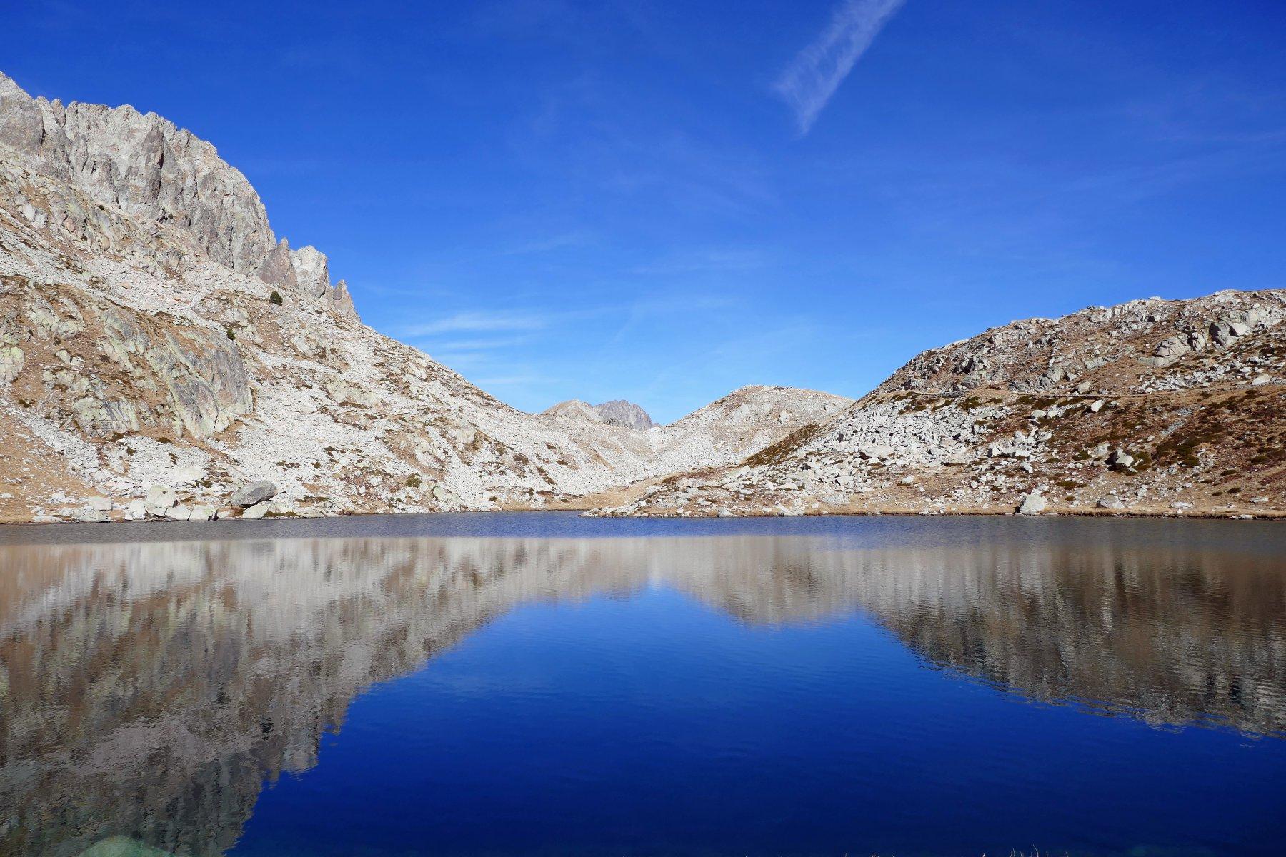 Riflessi al lago superiore di Fremamorta