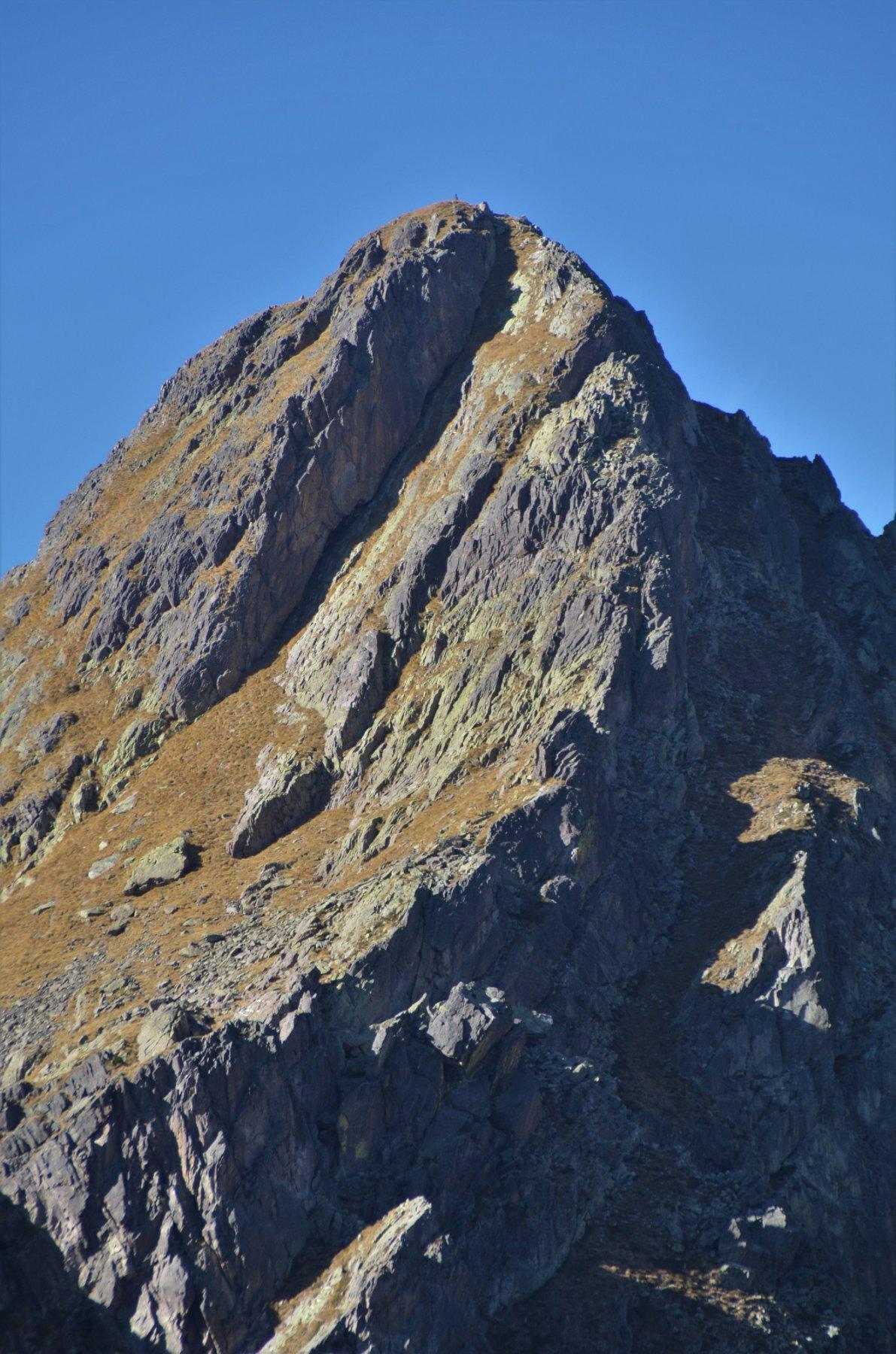 La sinuosa cresta sud-est del Torretta